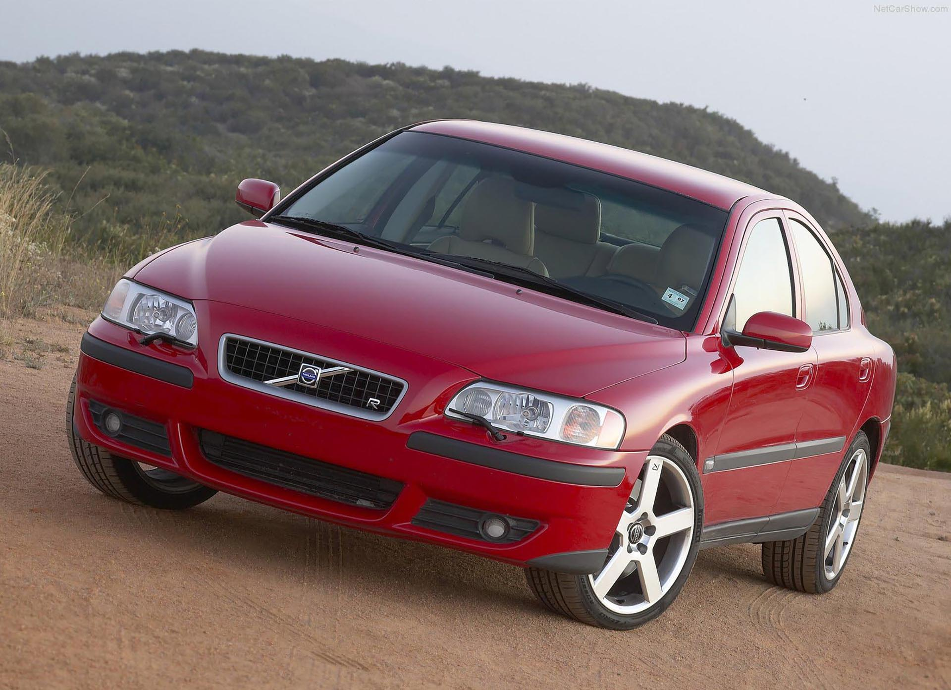 04_Volvo S60 R front