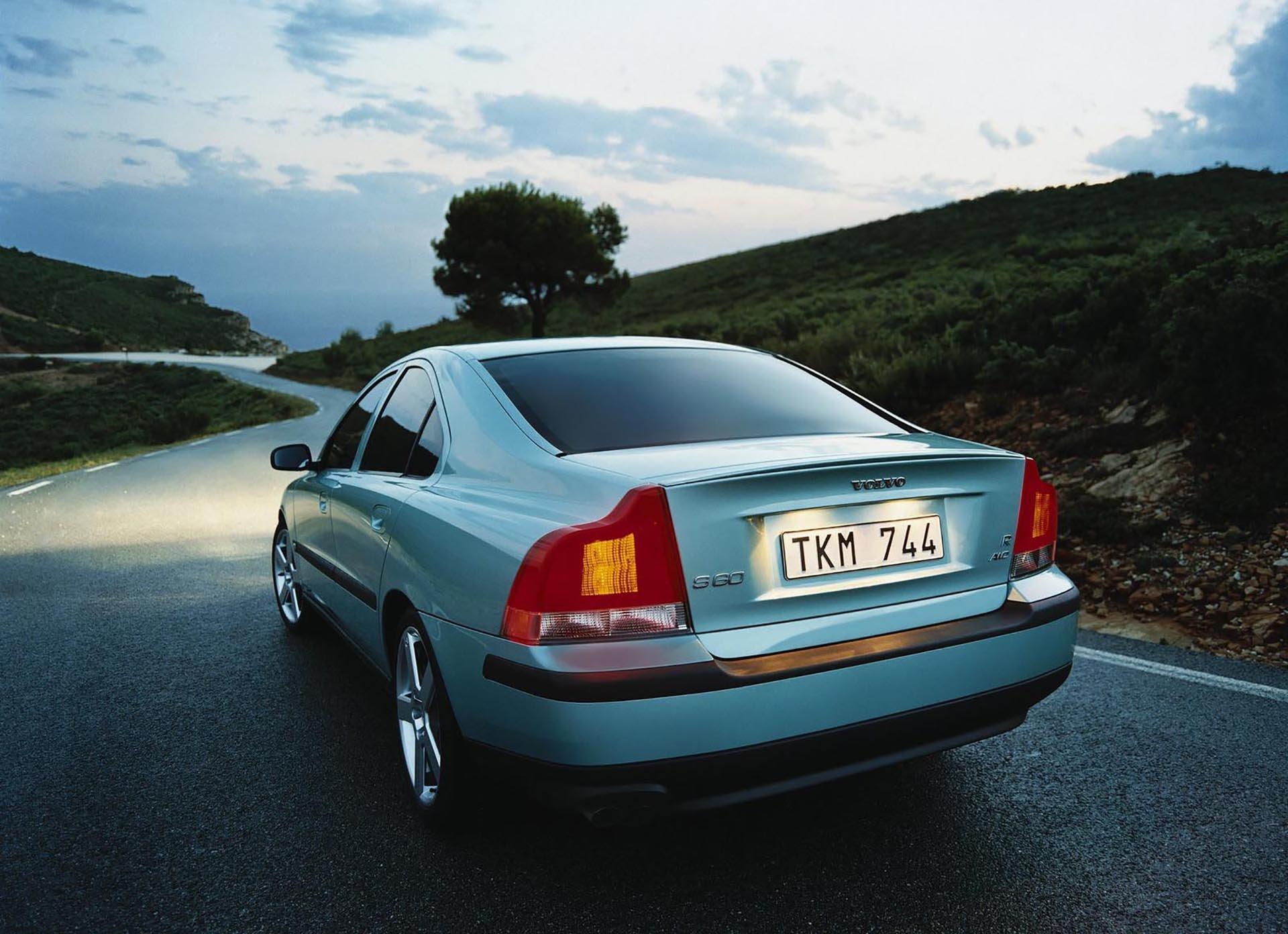 05_Volvo S60 R rear