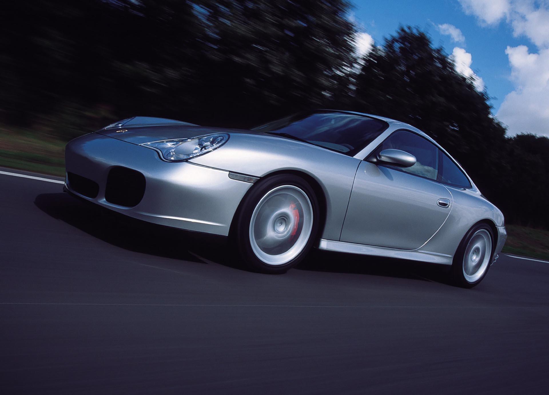 07_Porsche 911 Carrera 4S front profile