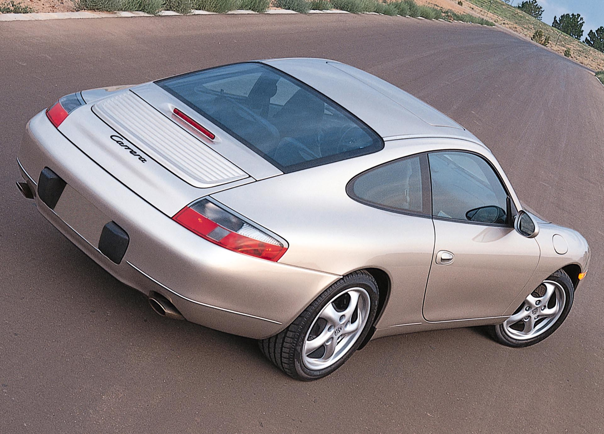 09_Porsche 911 Carrera_Coupe re