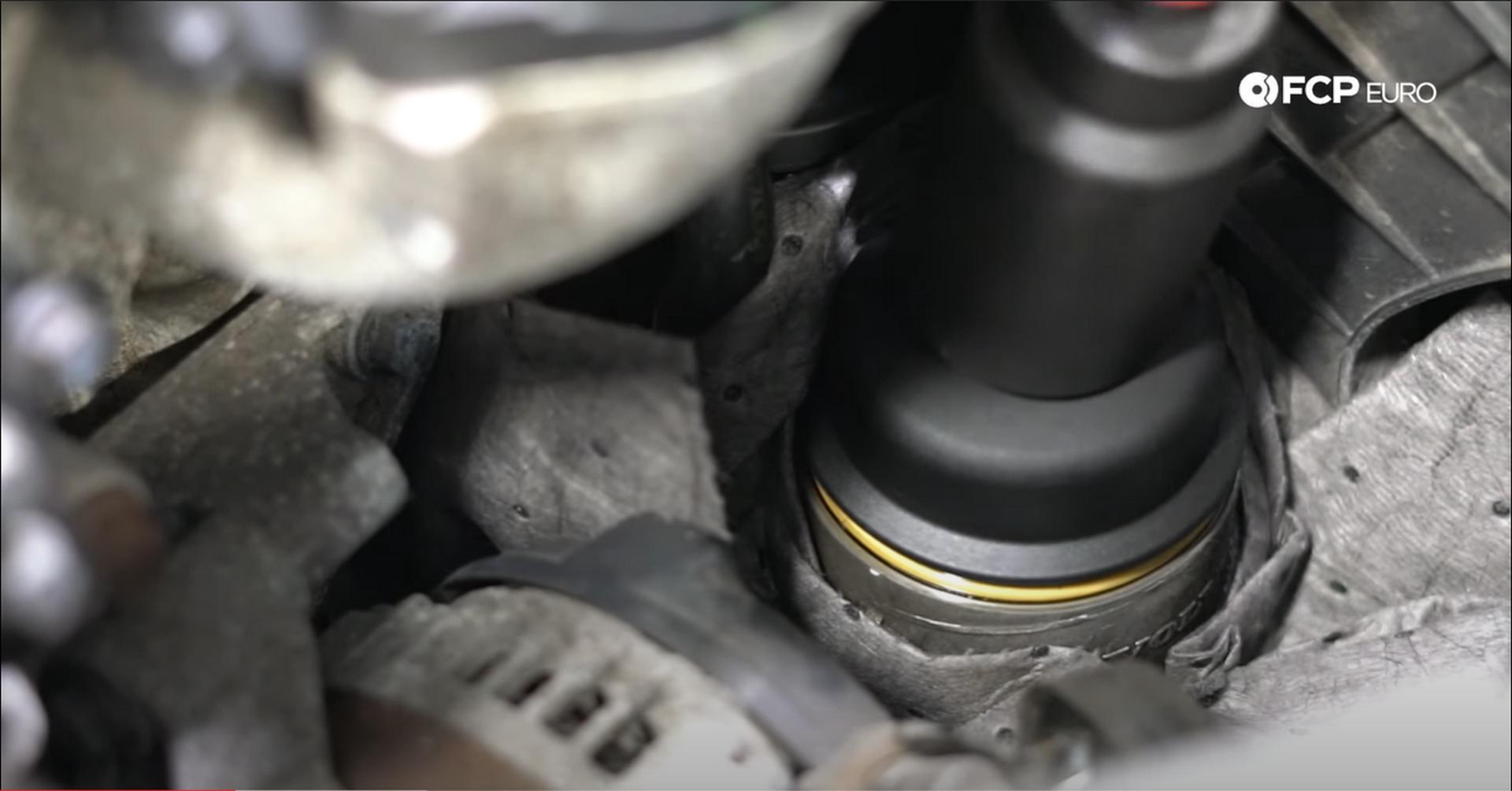 03_DIY_Volvo_Oil_Change-Loosening-Filter-Cap