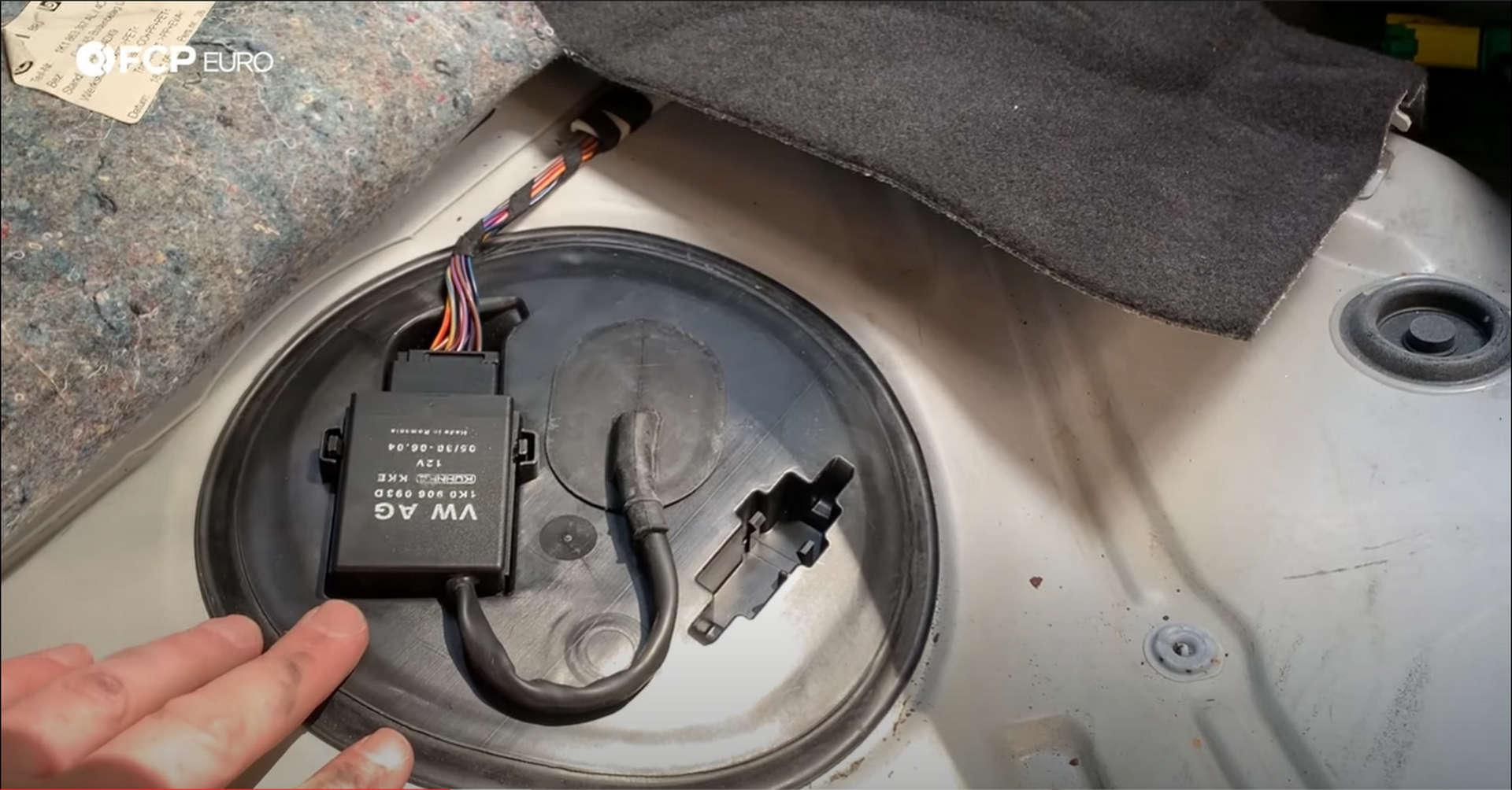DIY VW GTI Fuel Pump controller location