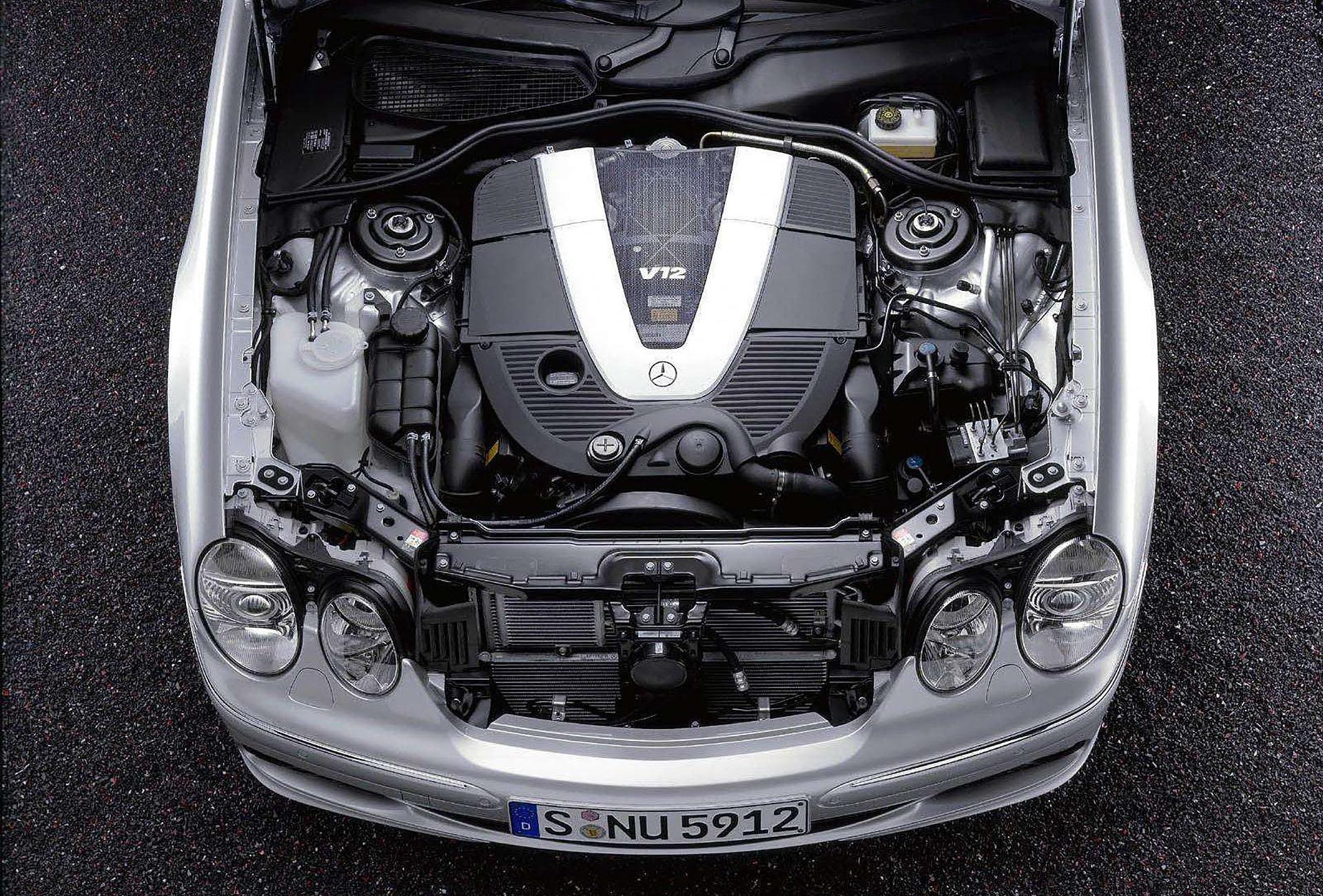 15_Mercedes-Benz-CL600 M275 V12 Biturbo engine