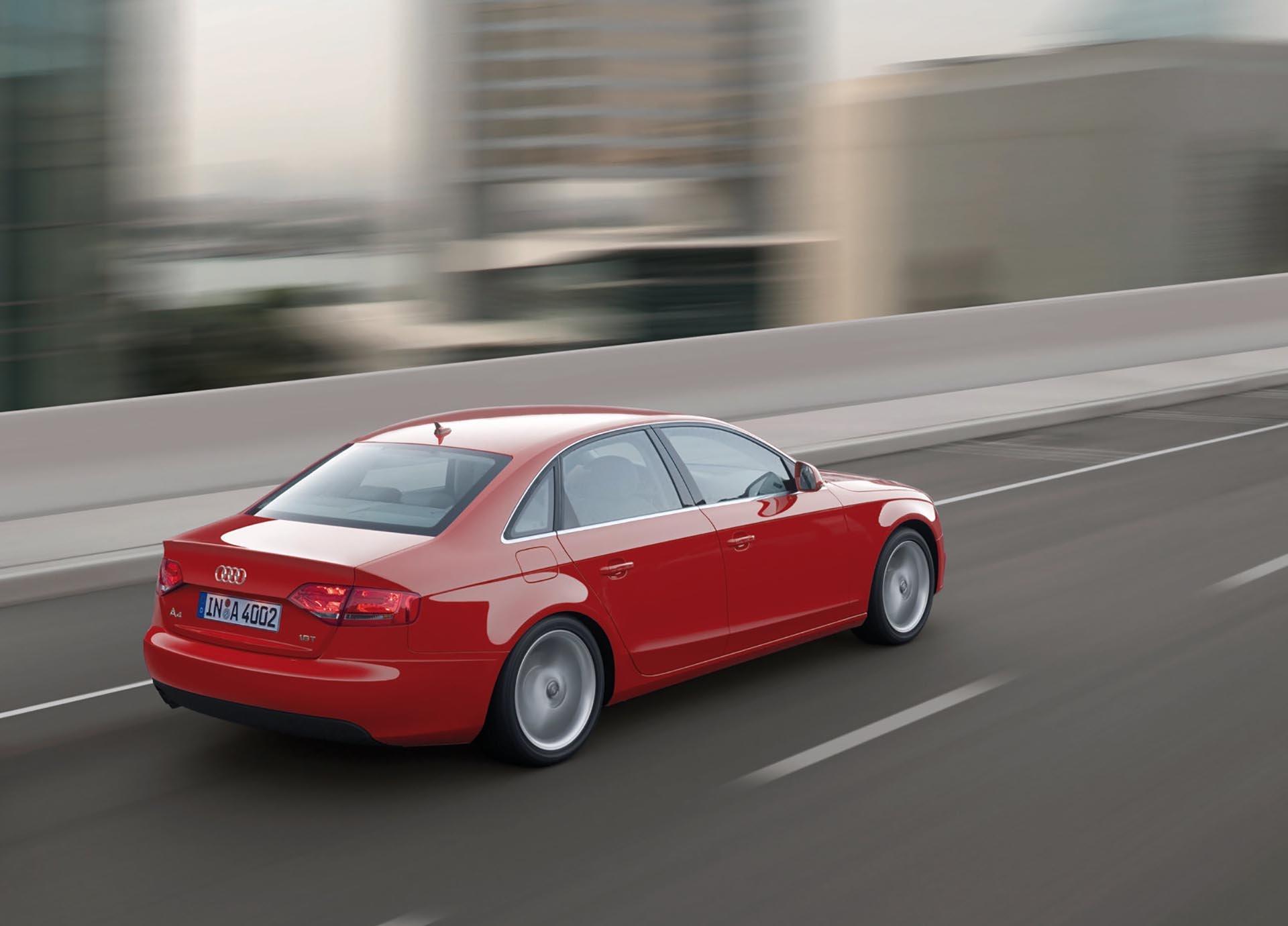 04_B8 Audi A4 rear profile driving