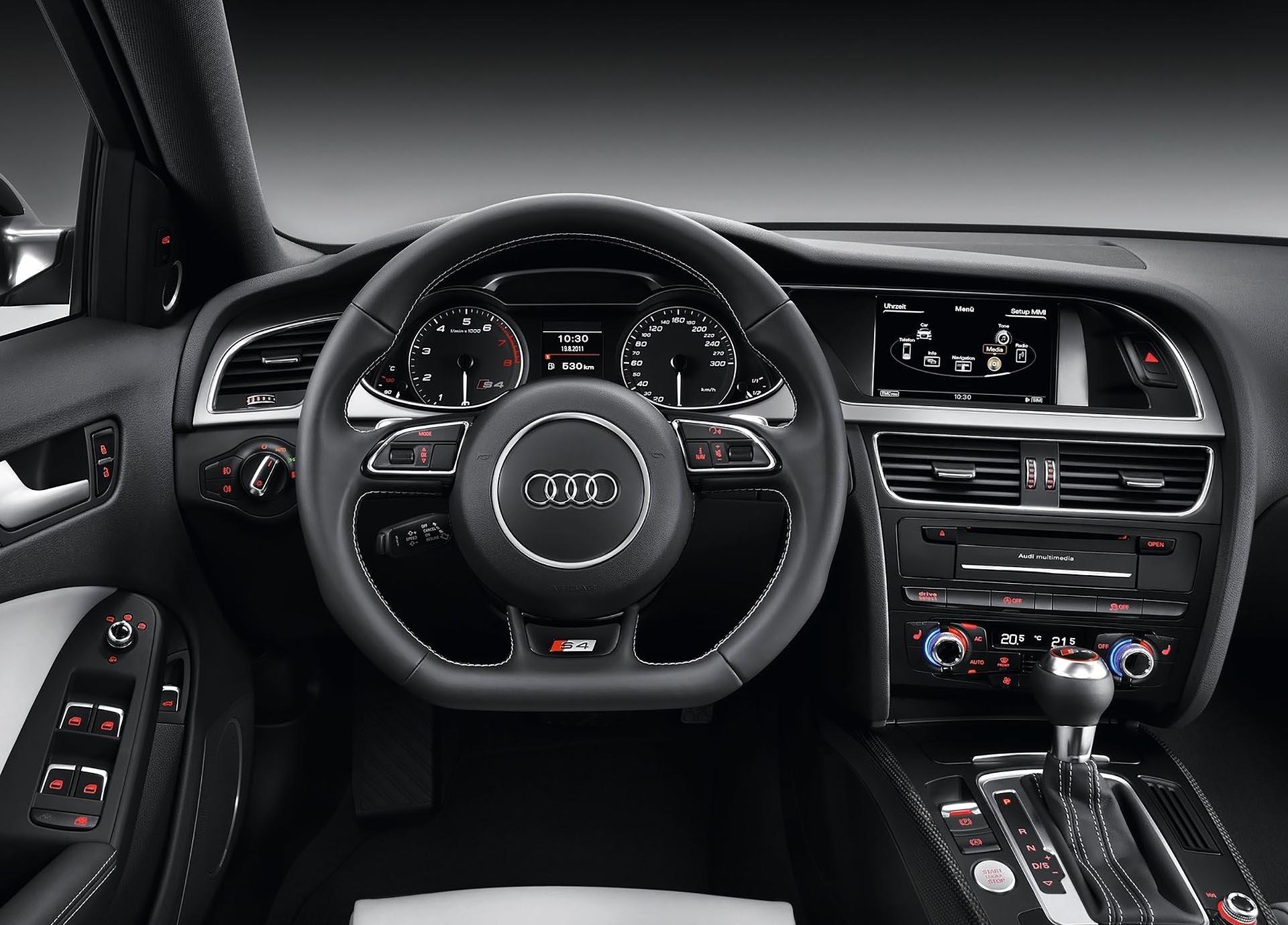 07_B8.5 Audi S4 interior silver carbon fiber trim cockpit