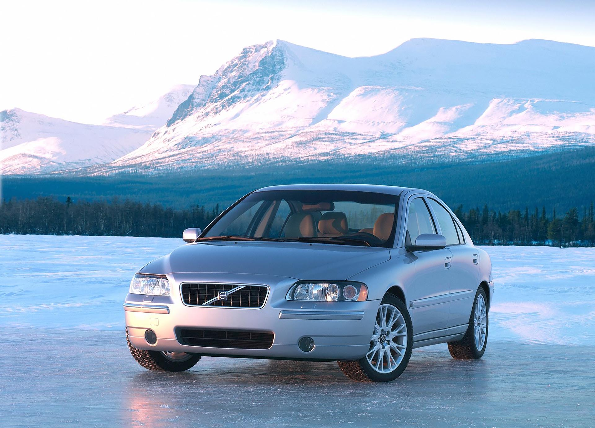 03_Volvo-S60 2.5t awd front