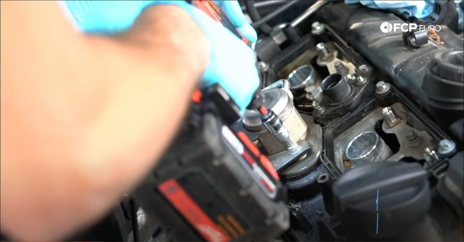 DIY BMW N20 Timing Chain removing the fuel delivery system