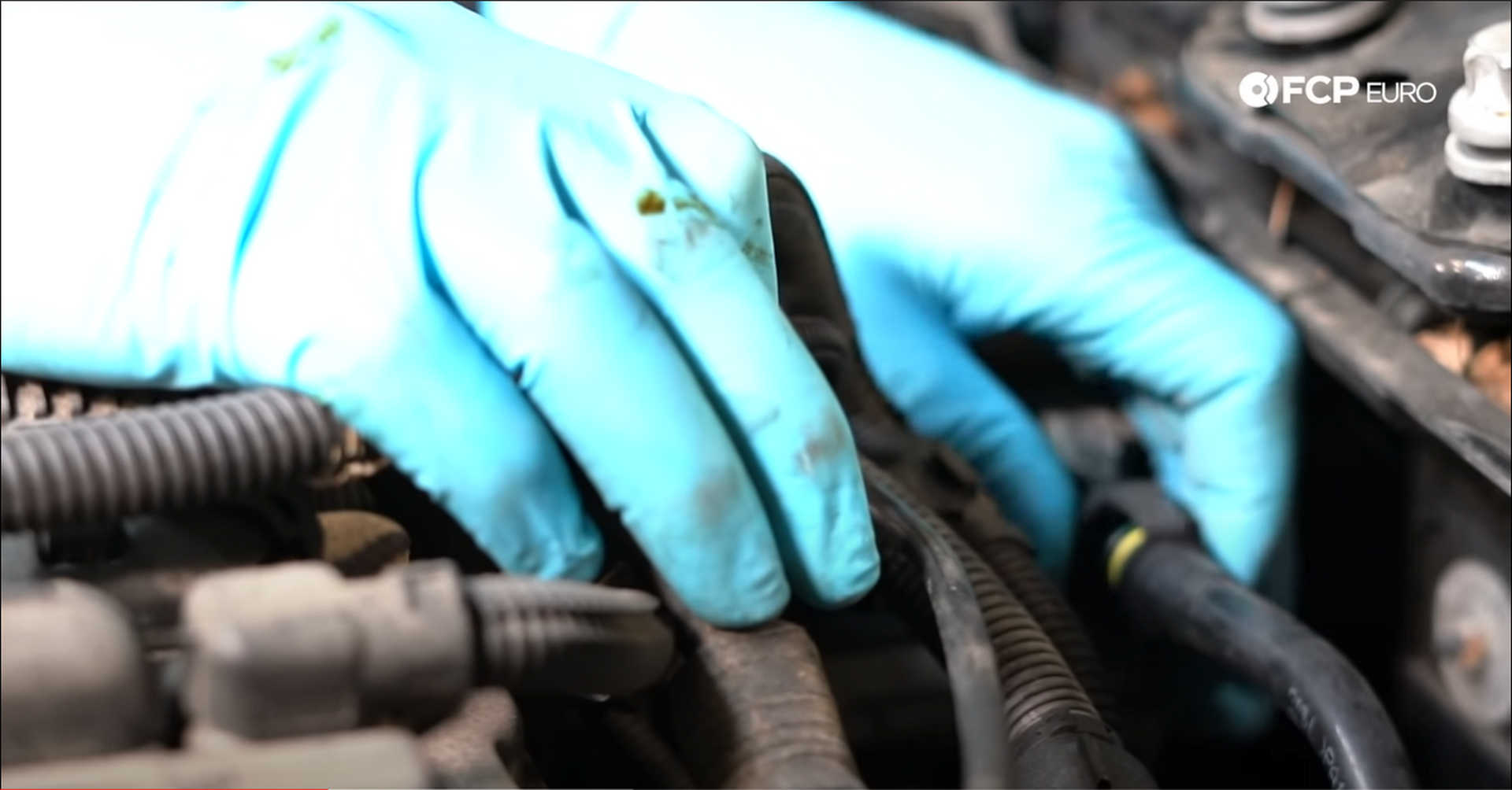 DIY BMW N20 Timing Chain removing the vacuum pump