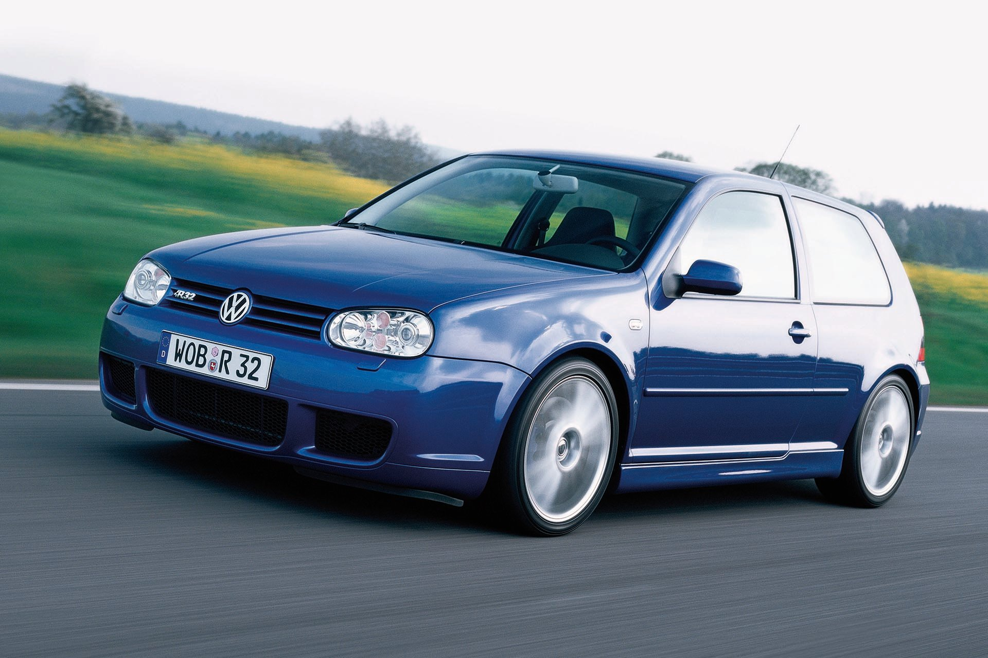 07_VW Mk4 Golf R32 4MOTION front