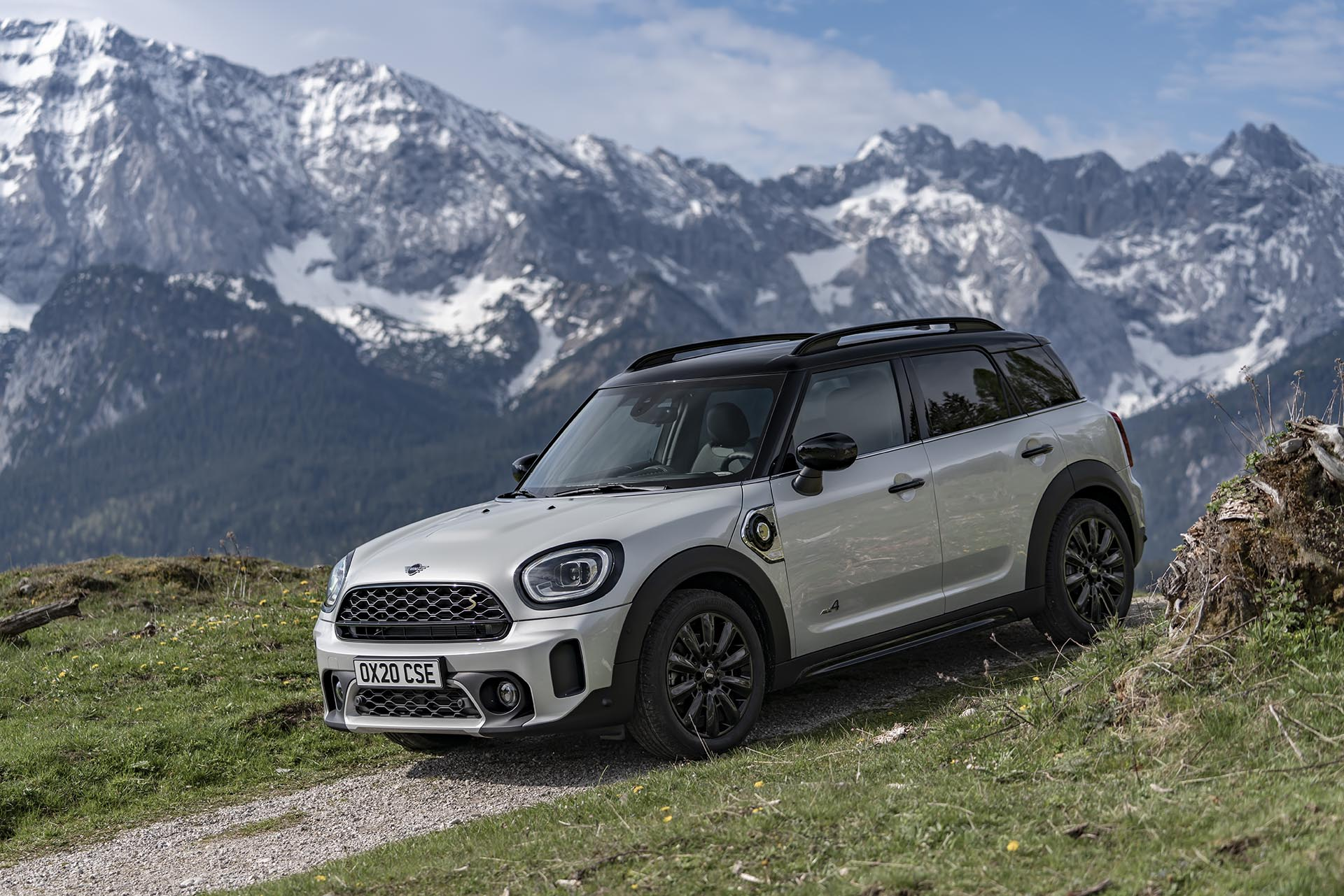 11_MINI Cooper Countryman S ALL4 front