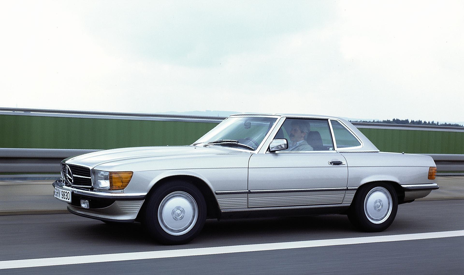 1989 Mercedes SL 500 side profile