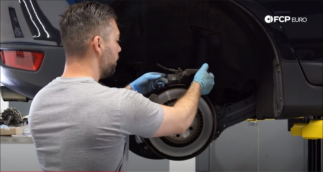 DIY P3 Volvo Rear Brakes removing the caliper