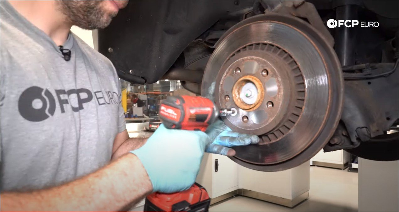 DIY P3 Volvo Rear Brakes removing the rotor
