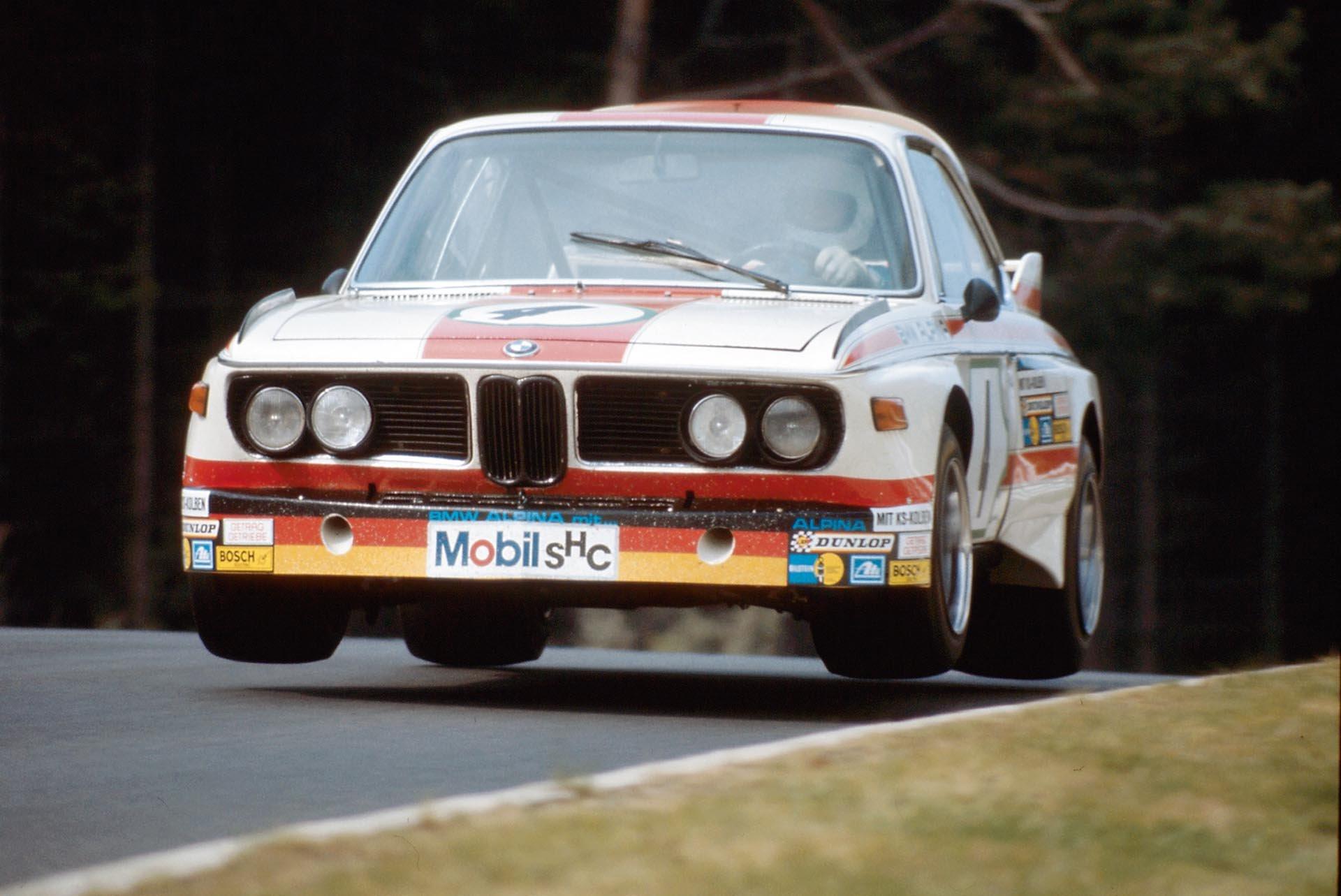 02_BMW 3.0 CSL jump