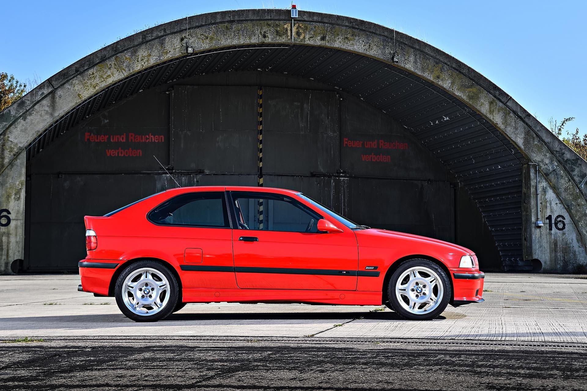 12_BMW E36 M3 compact profile