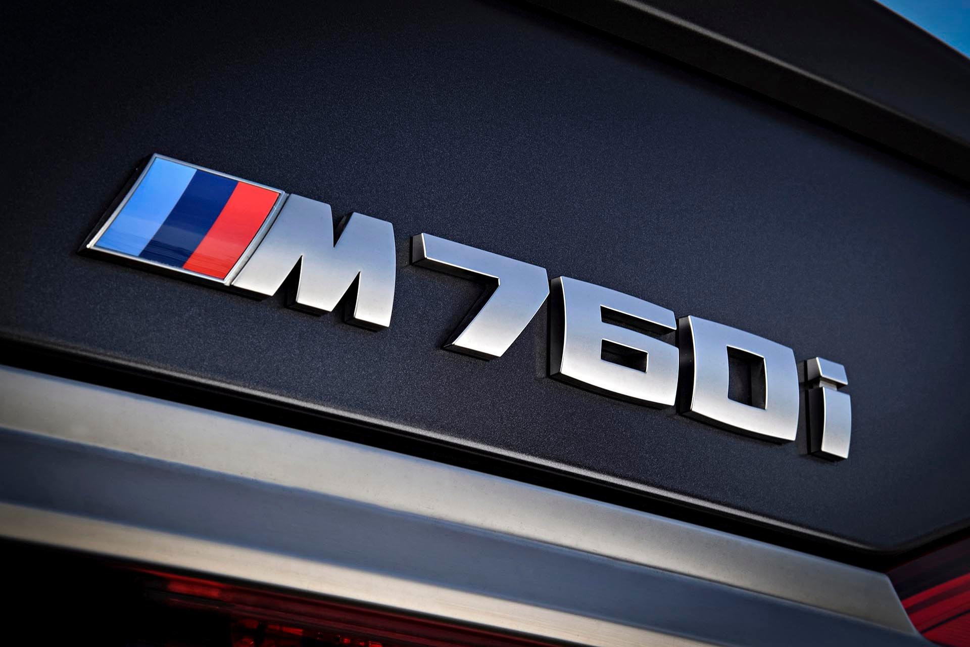 15_BMW M760i xDrive badge
