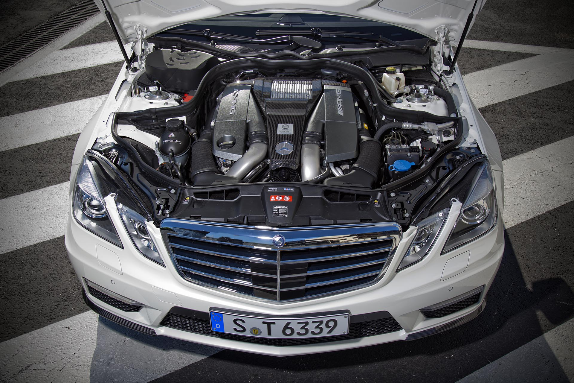 02_Mercedes E63 AMG Wagon engine bay