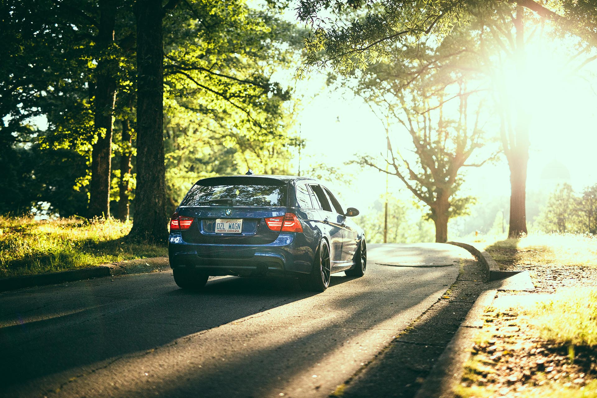 13_BMW E91 335d rear in sunlight