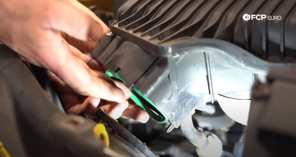 DIY Volvo Alternator and Serpentine Belt Replacement reinstalling the throttle body gasket