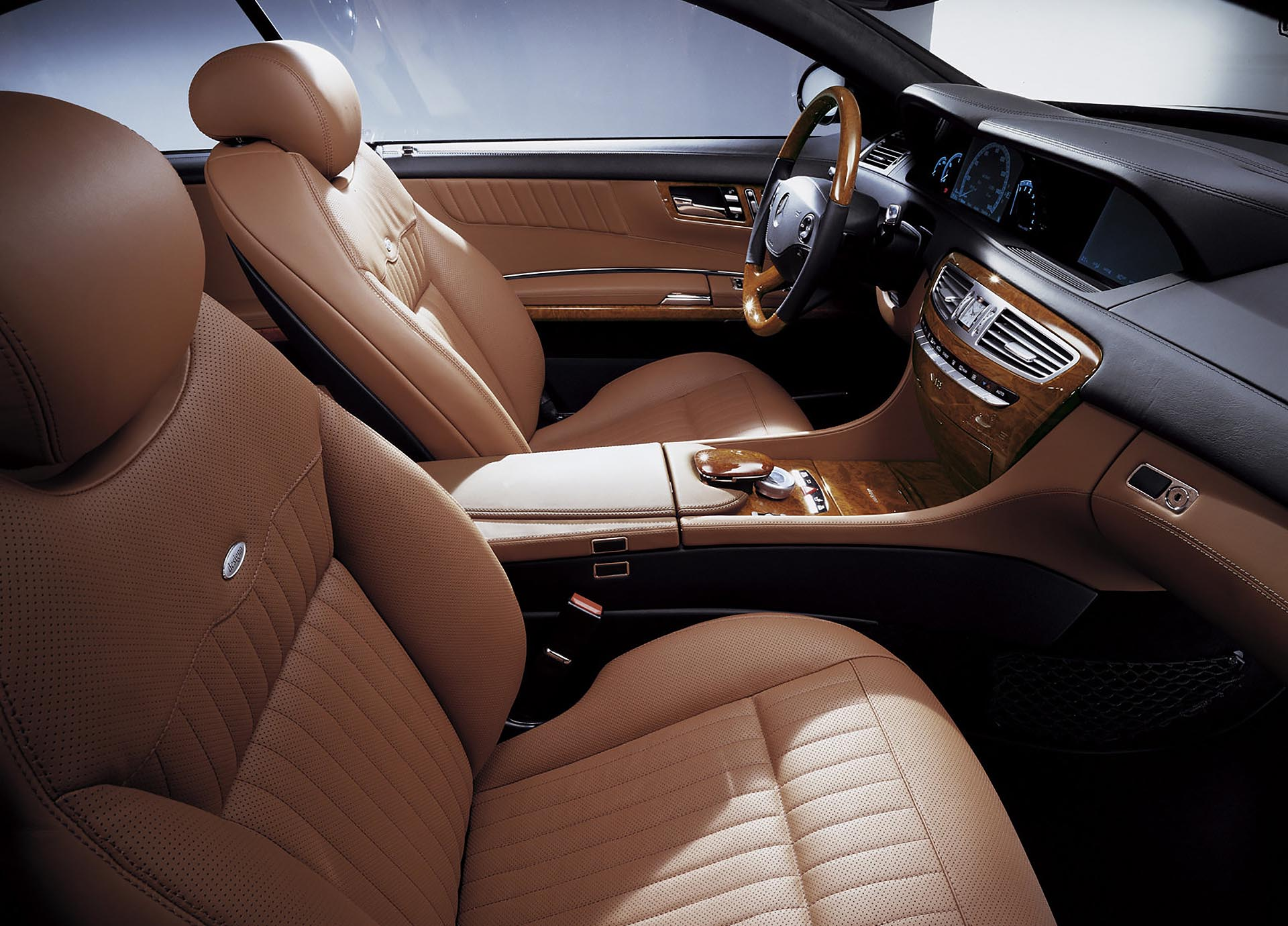 23_Mercedes-Benz CL600 V12 biturbo interior