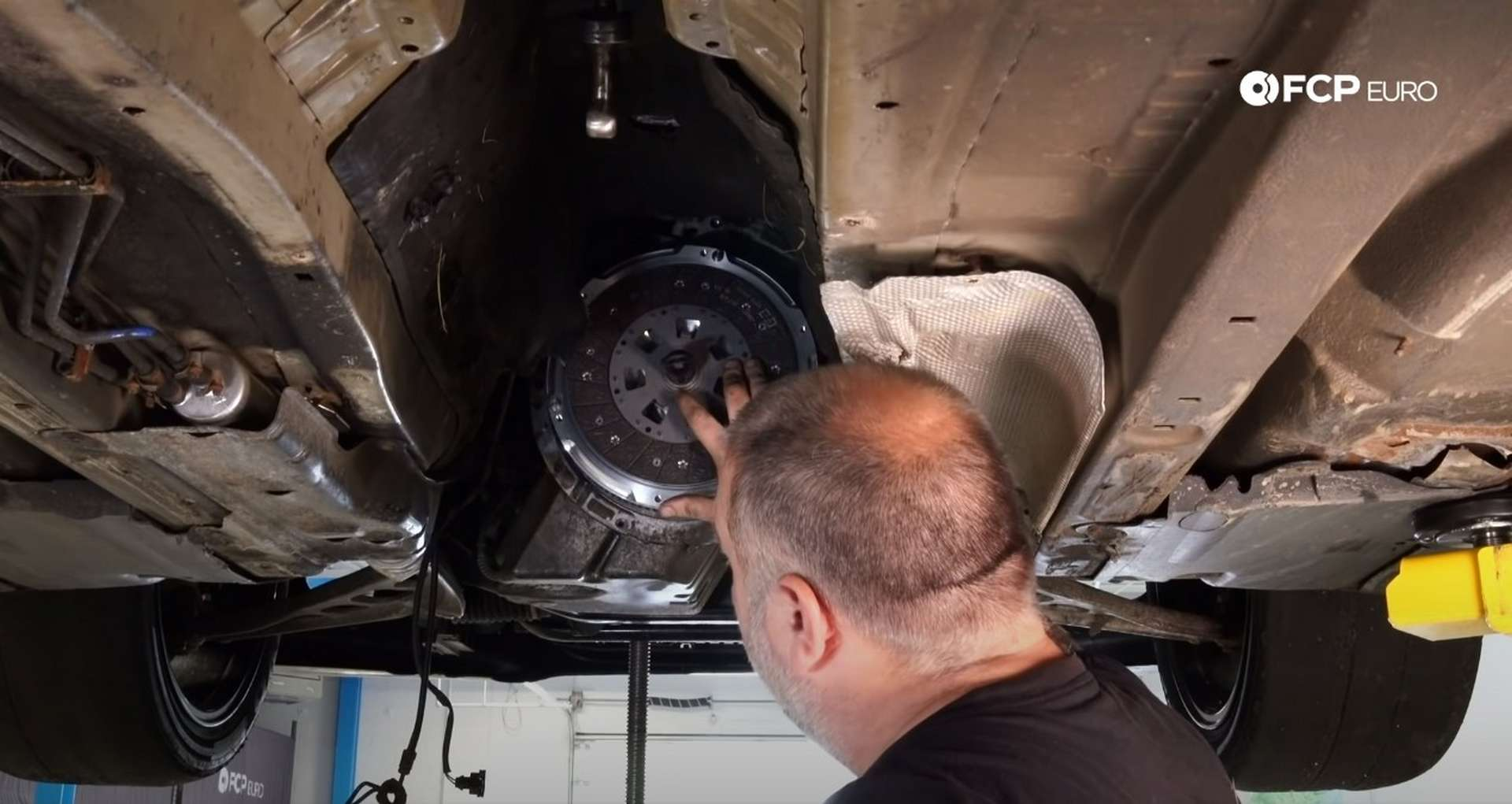 DIY BMW E46 Clutch Replacement new clutch disc installed