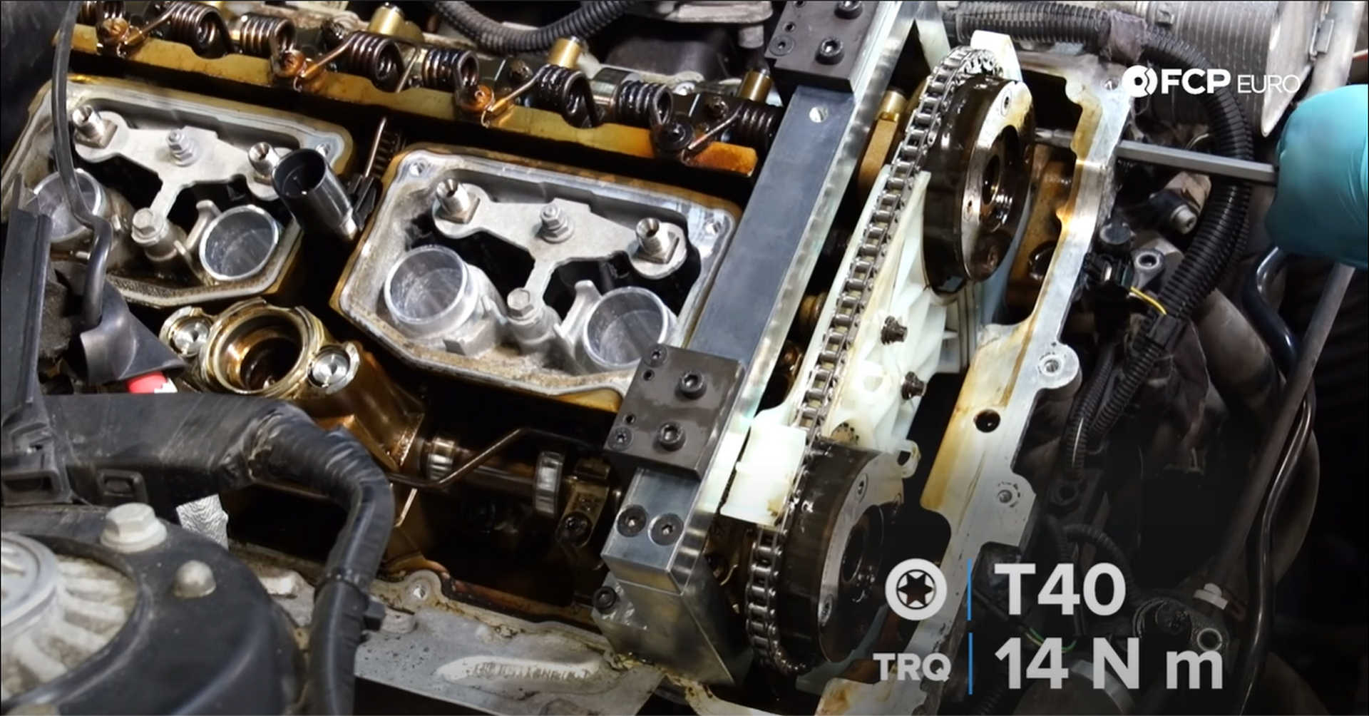 DIY BMW N20 Timing Chain tightening the chain guide pins