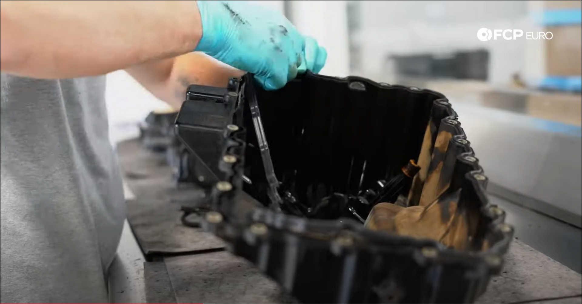 DIY BMW N20 Timing Chain installing the oil pan seal