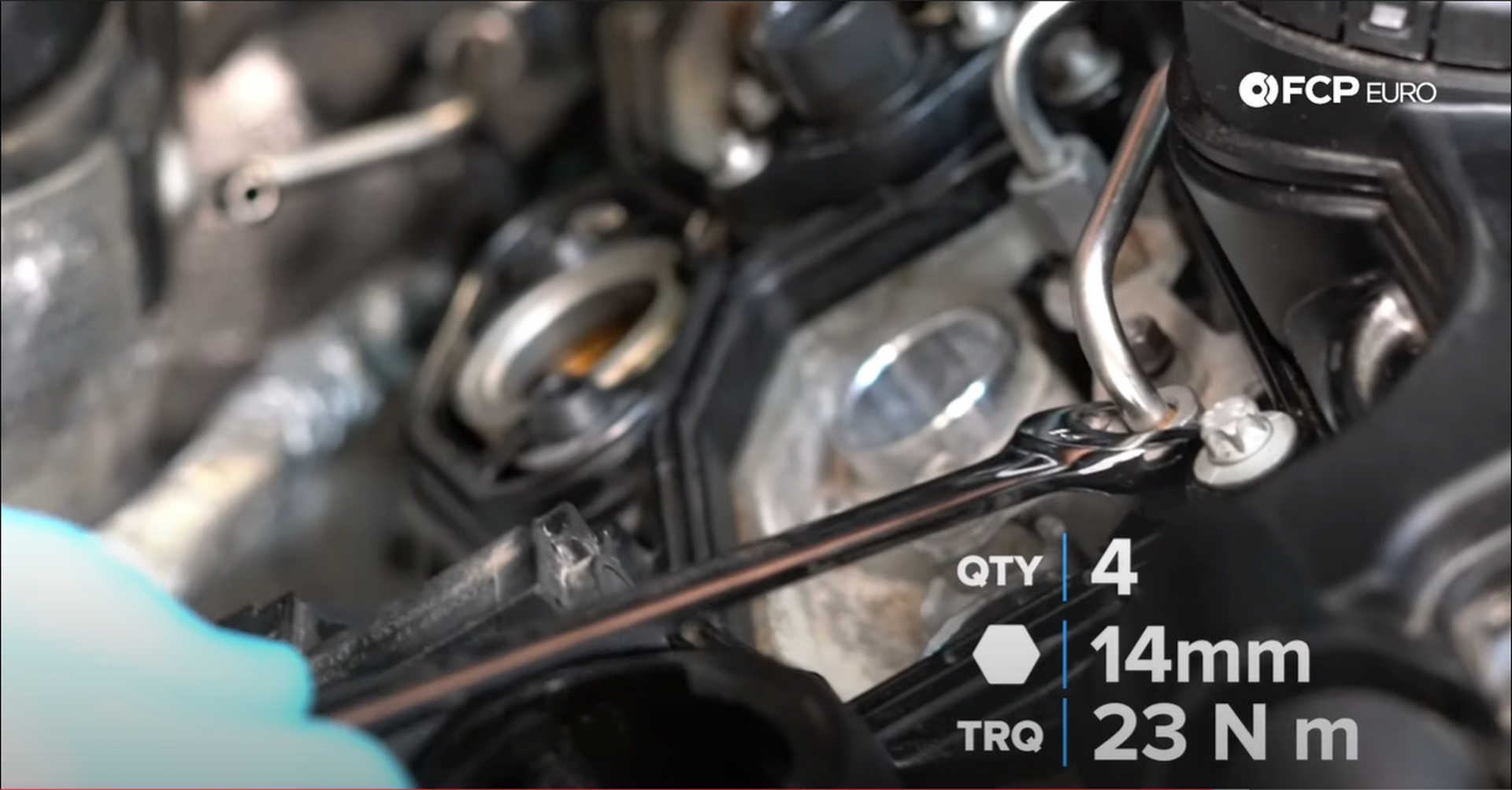 DIY BMW N20 Timing Chain tightening the fuel injector connections