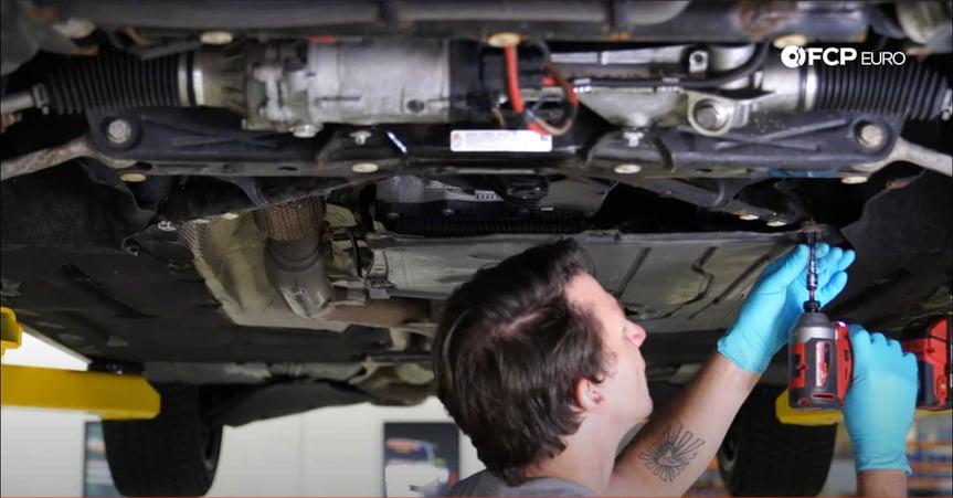 DIY BMW N20 Timing Chain mounting the transmission pan