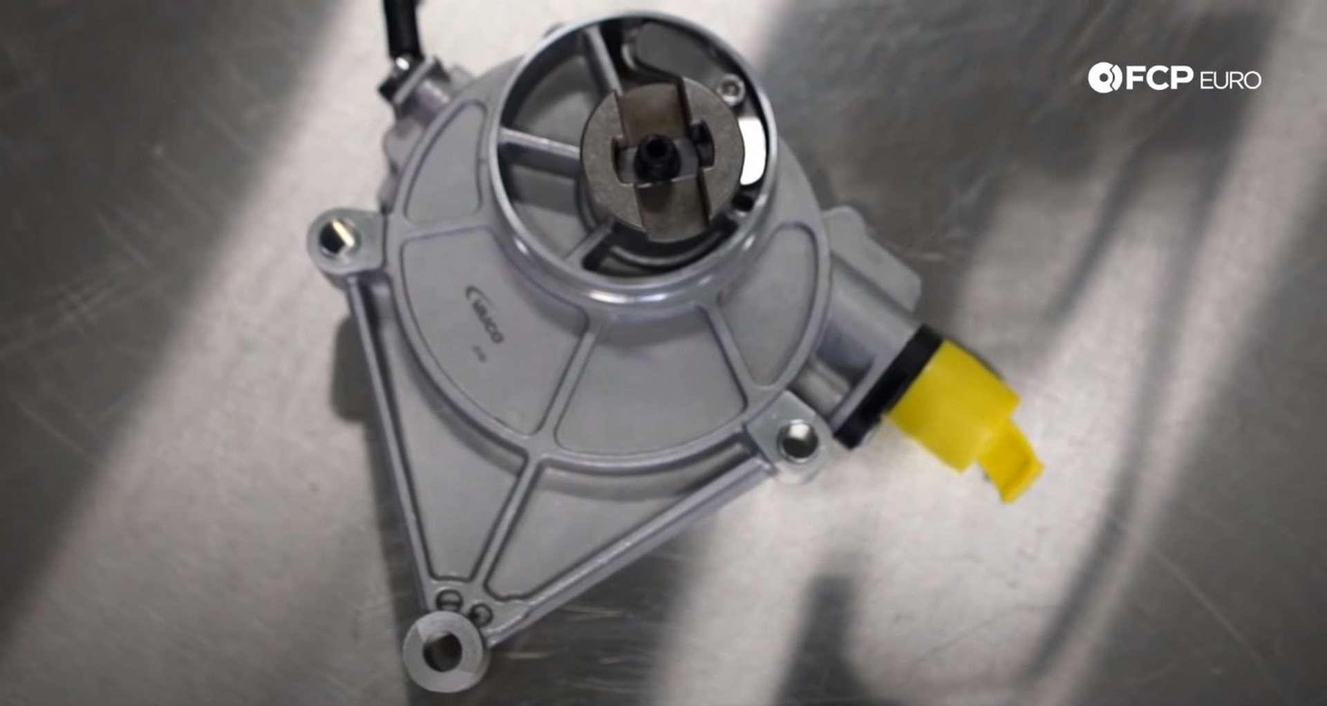 DIY BMW N20 Vacuum Pump squeeze vacuum pump bolt locations