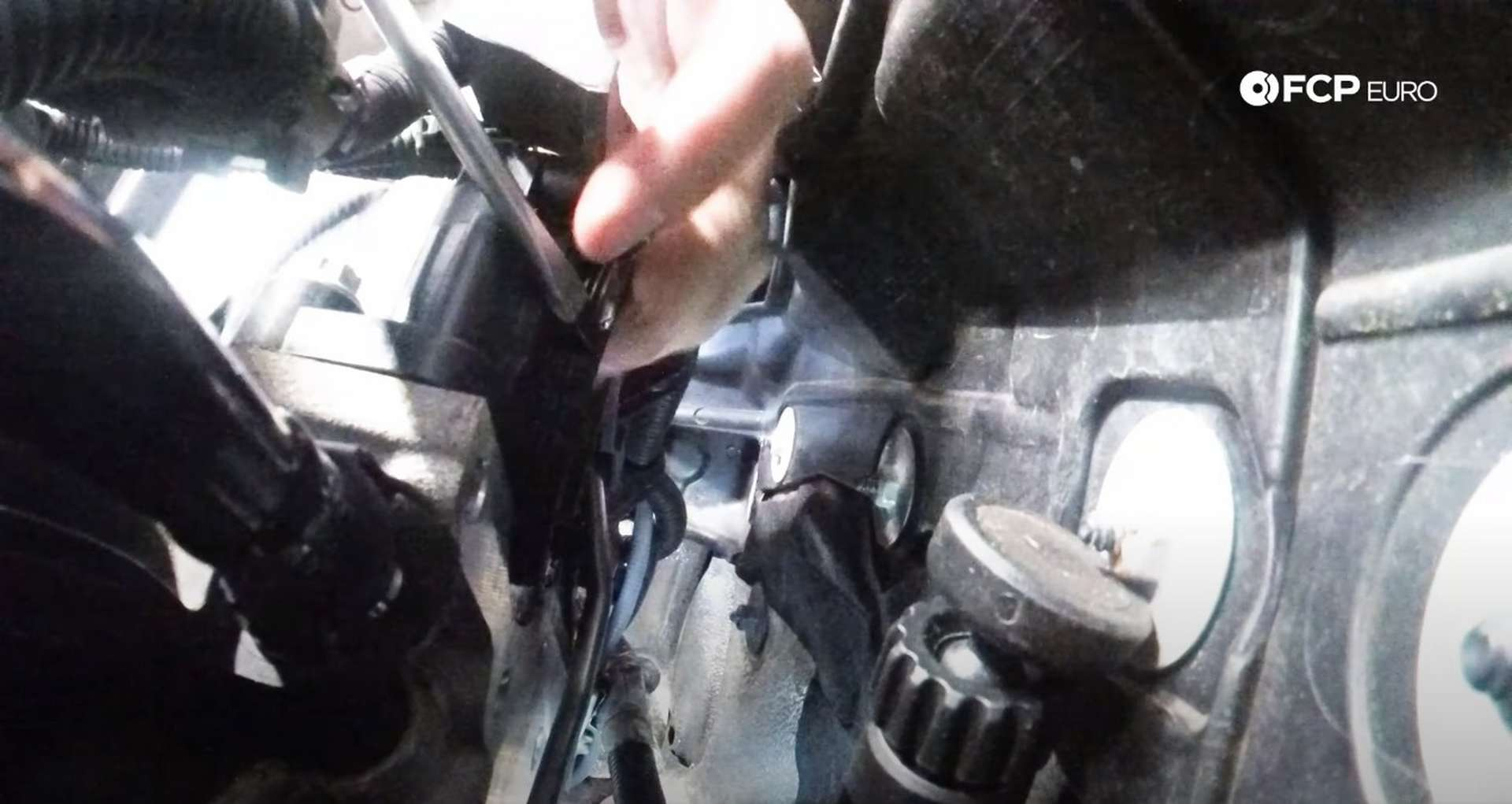 DIY BMW N20 Vacuum Pump removing the pump seal