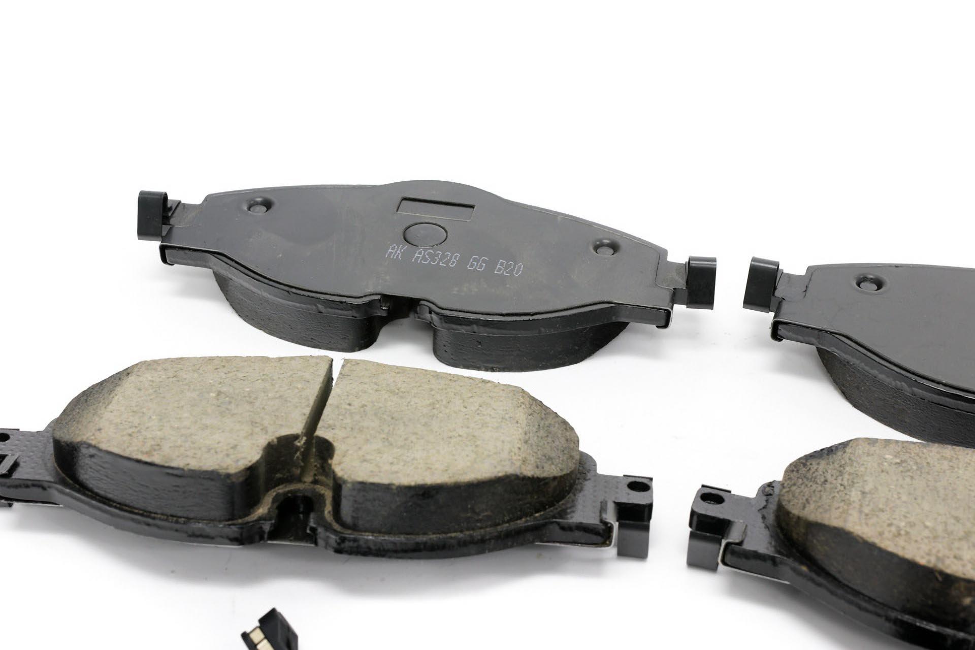 06_Akebono Euro Ceramic brake pad set