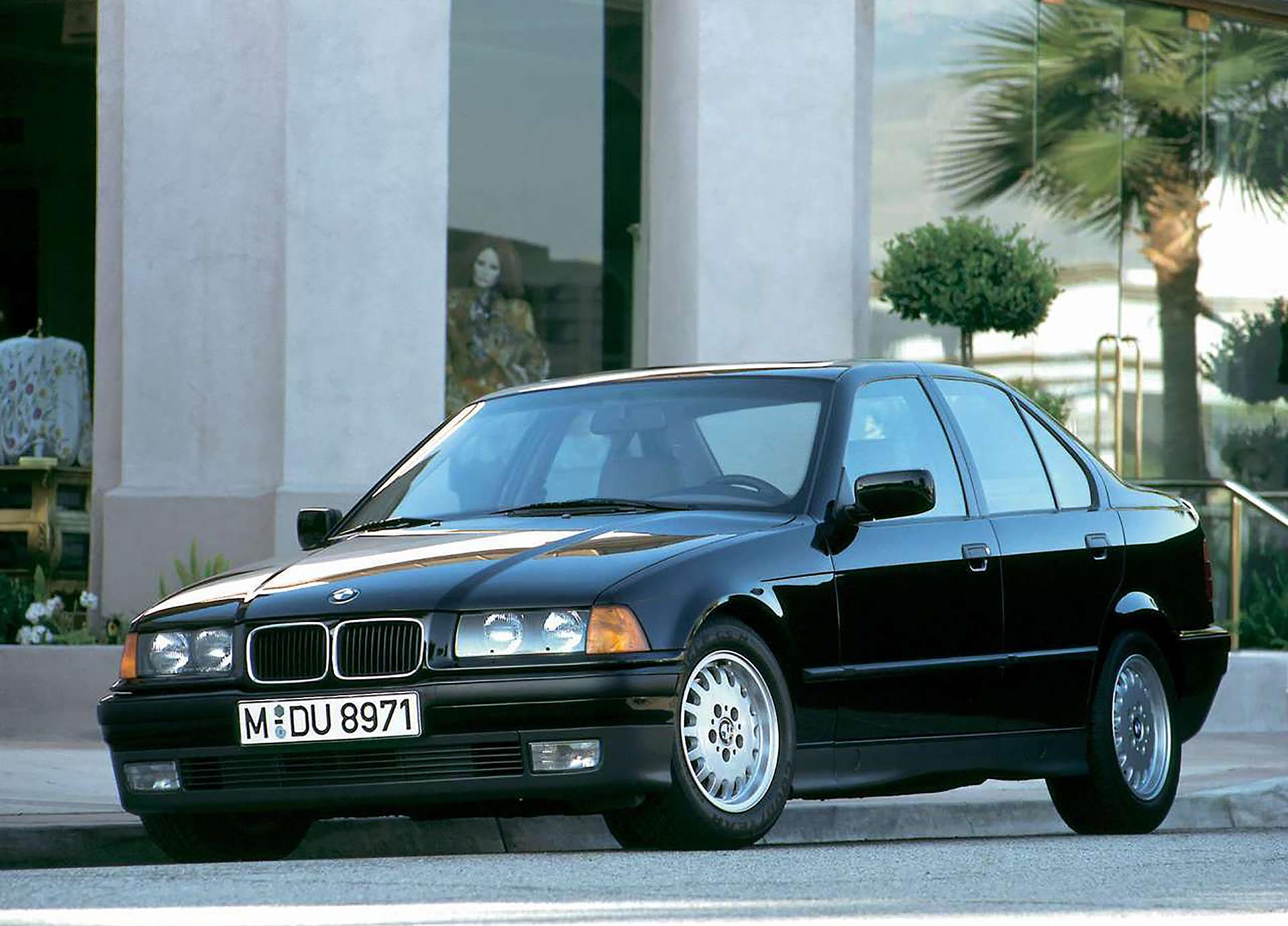 03_BMW E36 325iS front