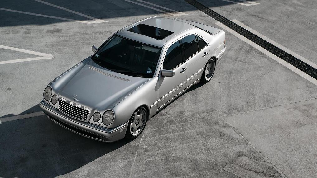 00_Mercedes-Benz E55 AMG manual swapped front profile