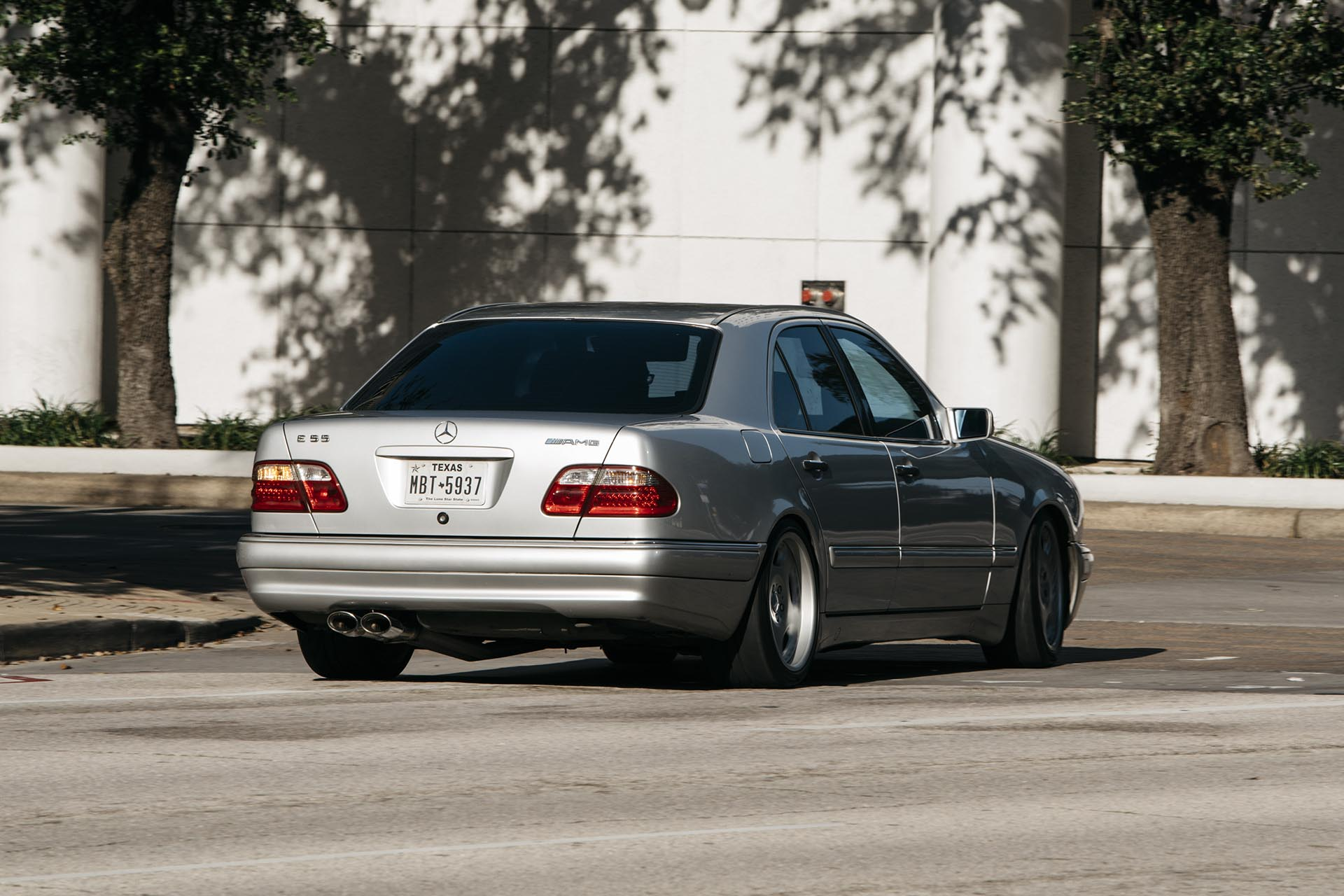 02_Mercedes-Benz E55 AMG manual swapped action03