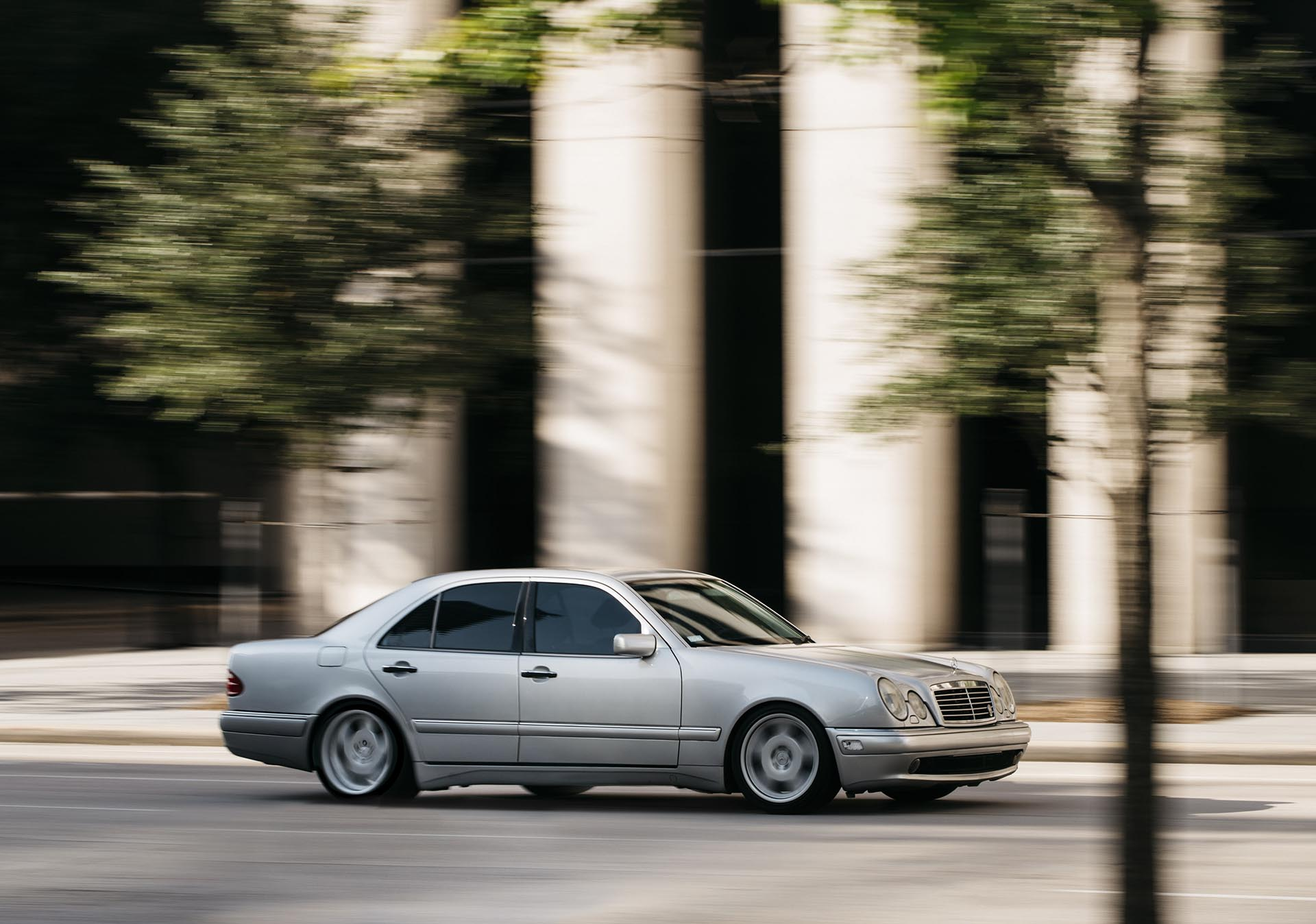 11_Mercedes-Benz E55 AMG manual swapped action02