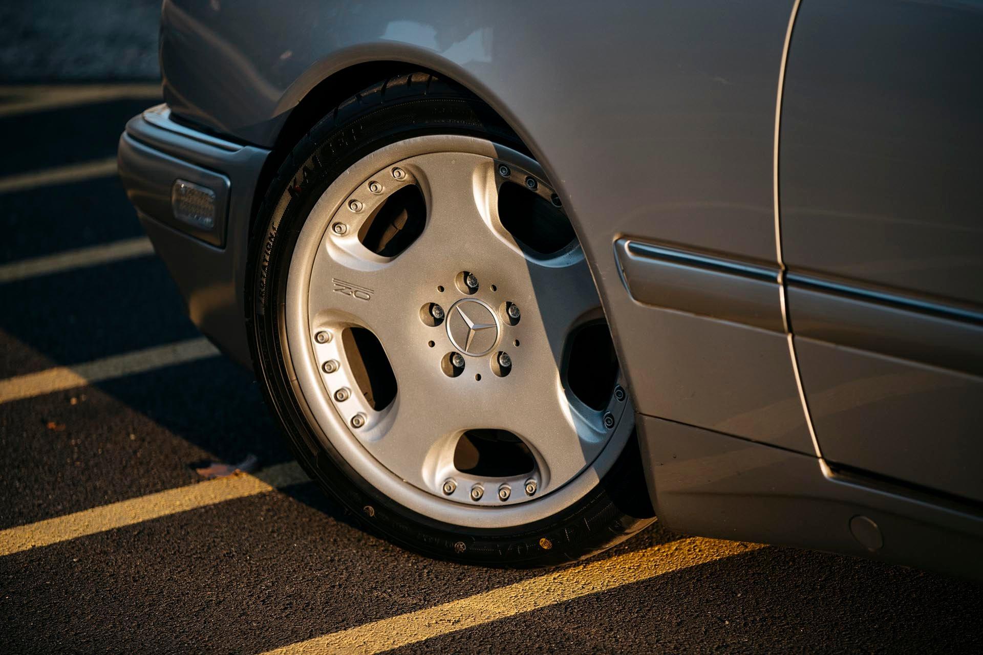 12_Mercedes-Benz E55 AMG OZ Opera wheels