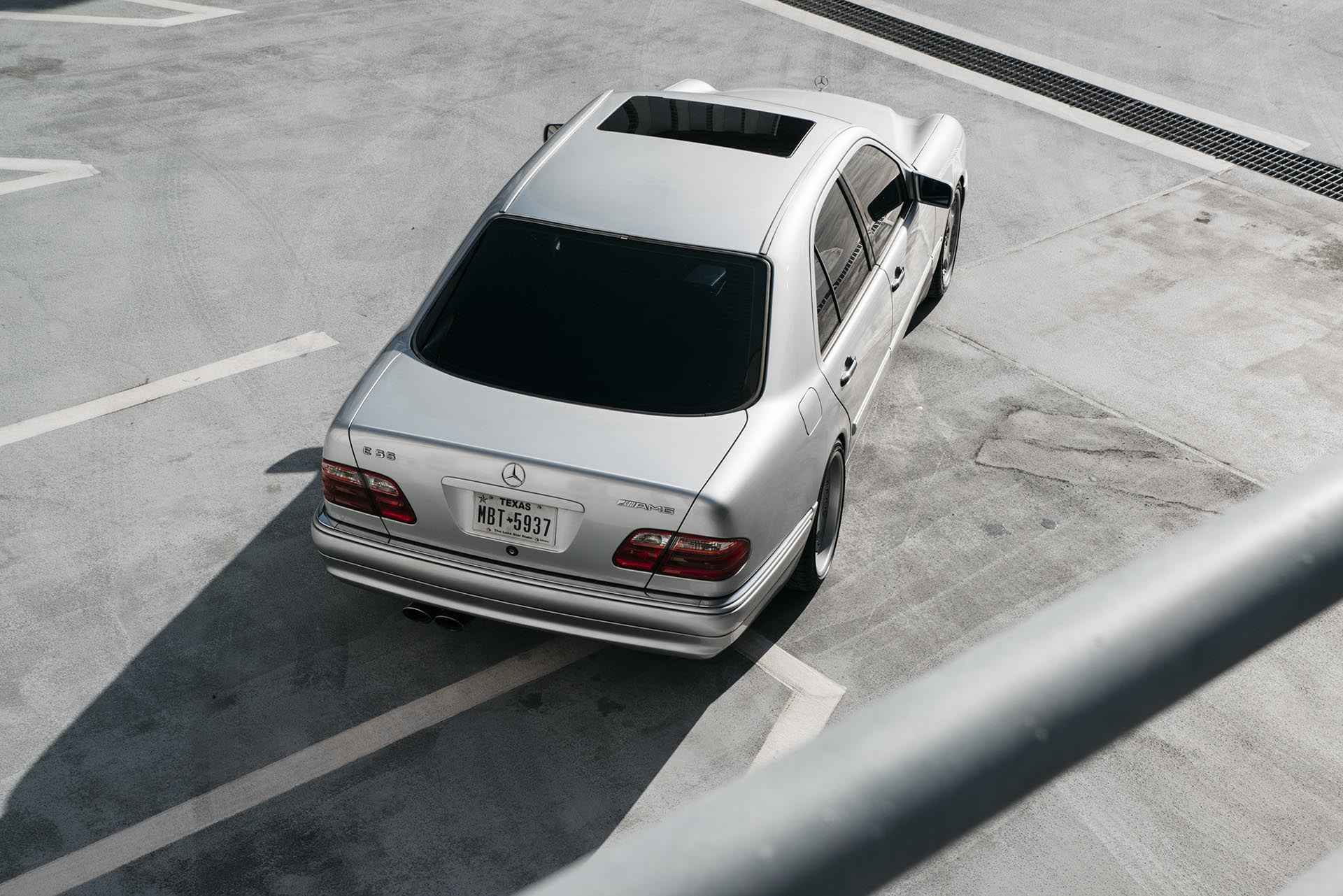 17_Mercedes-Benz E55 AMG manual swapped rear