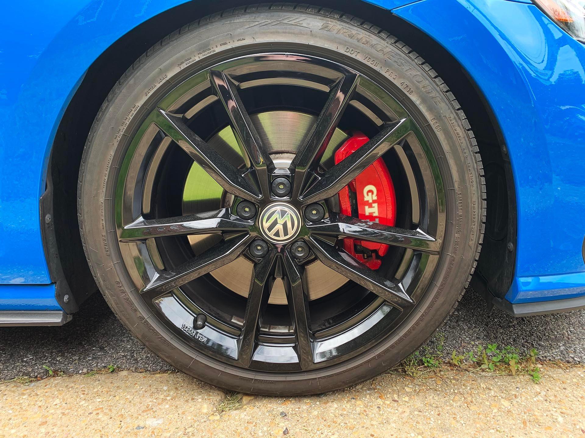 03_VW Mk7 GTI Performance pack front brakes
