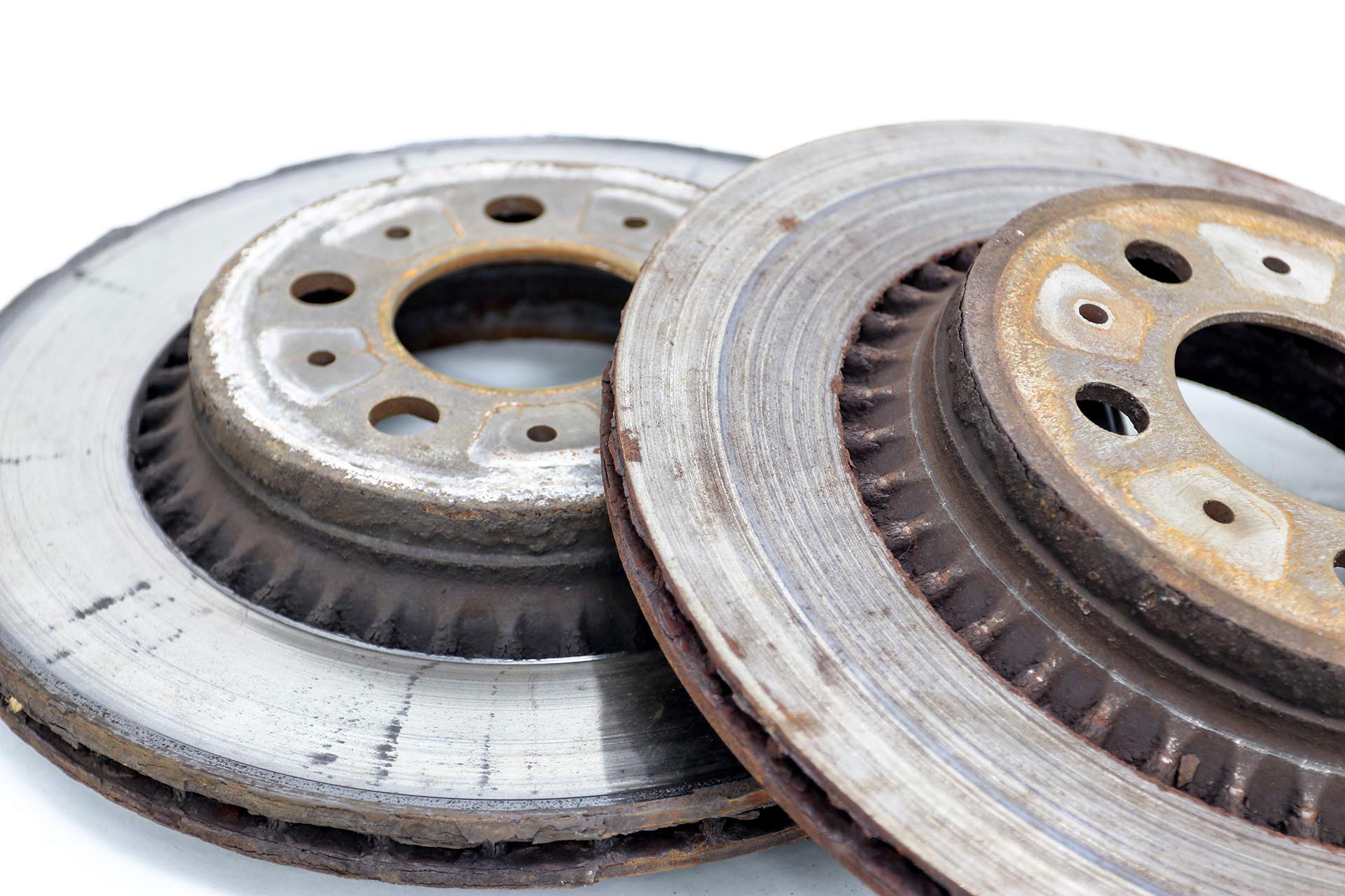 06_Worn brake discs with grooving