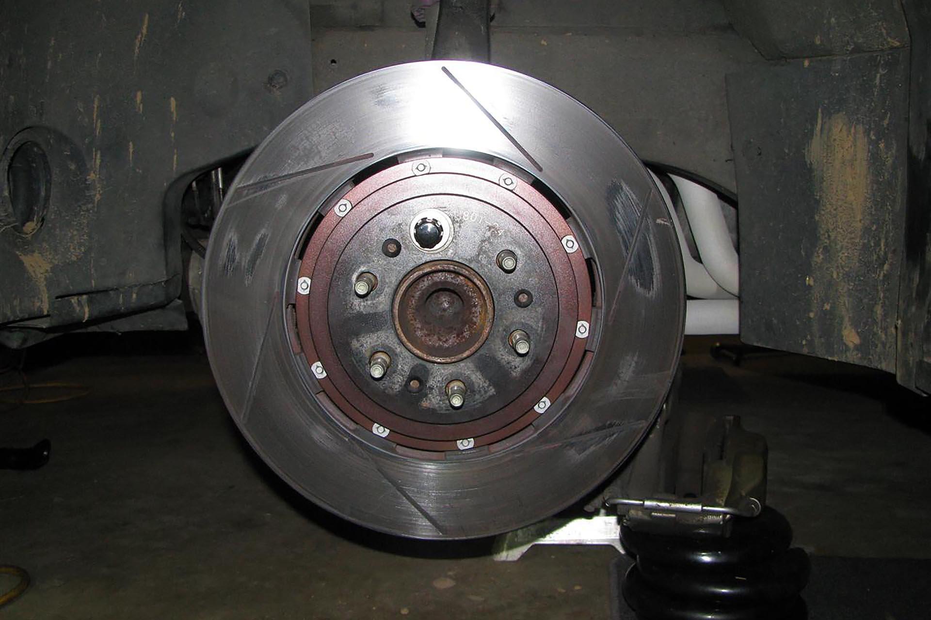 08_VW Mk7 GTI pad deposits on brake disc