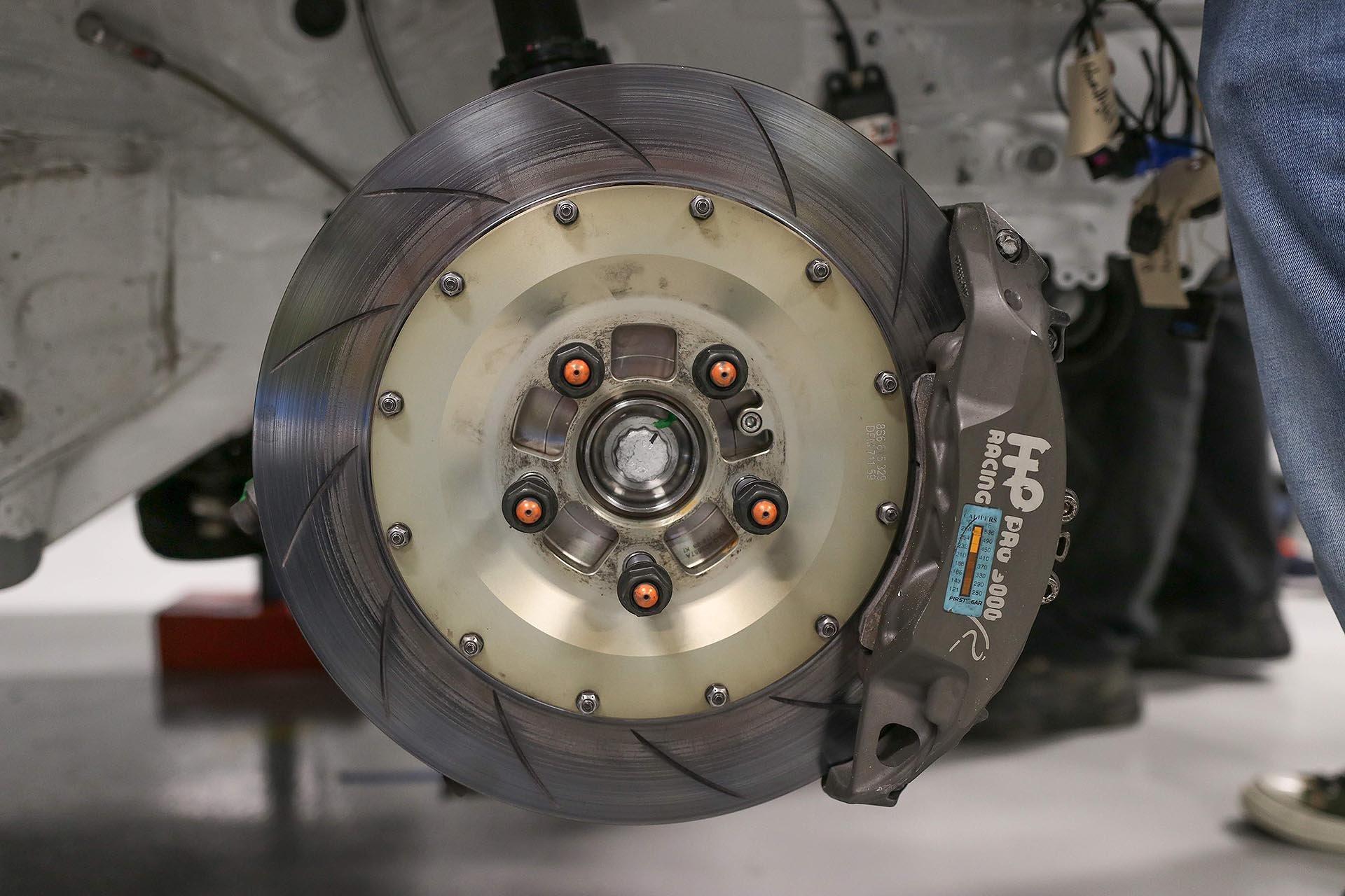 17_VW mk7 GTI TCR APR Racing BBK front brakes