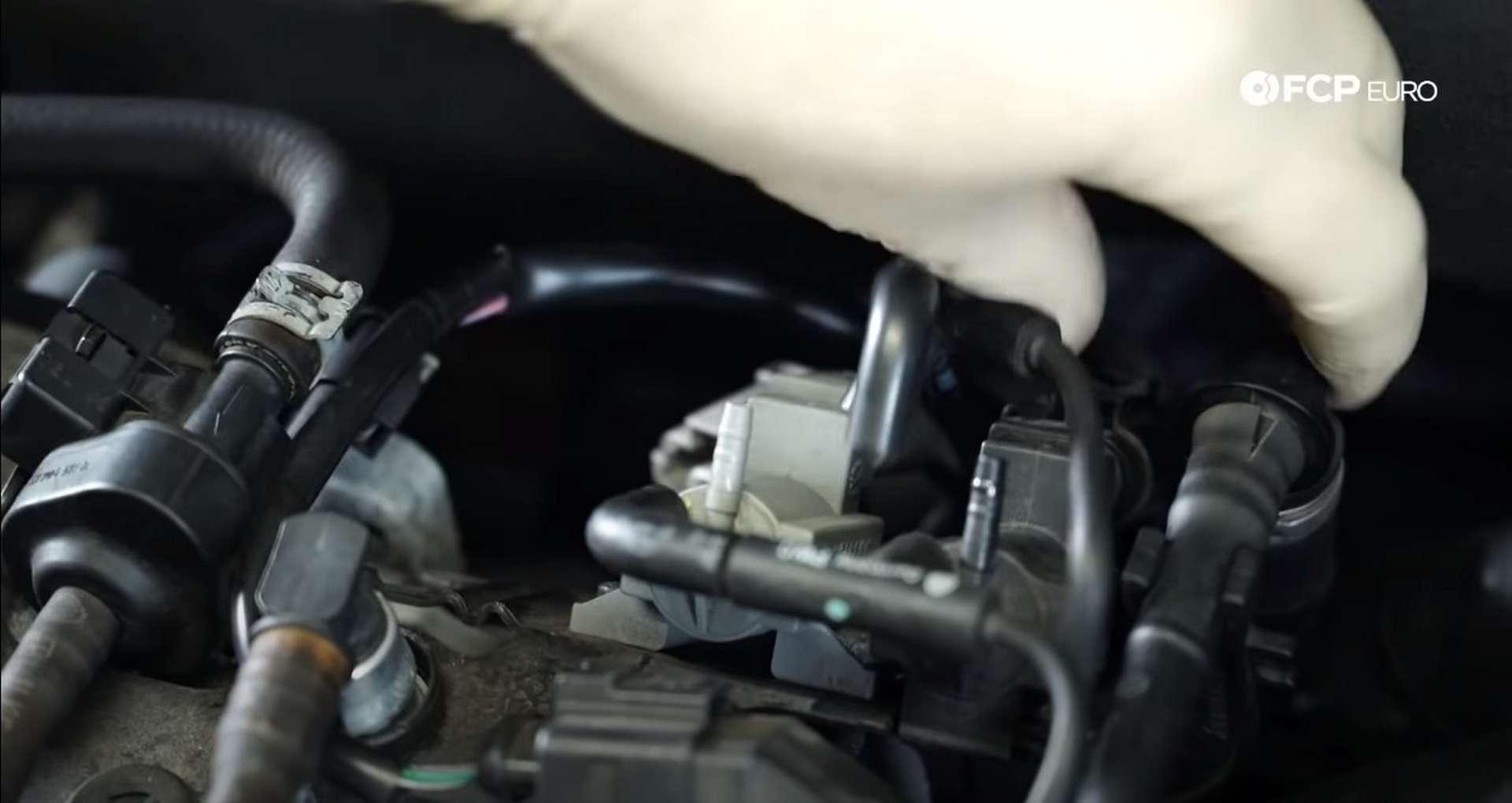 DIY Audi 3.0t Walnut Blasting Intake Valves disconnecting vacuum lines
