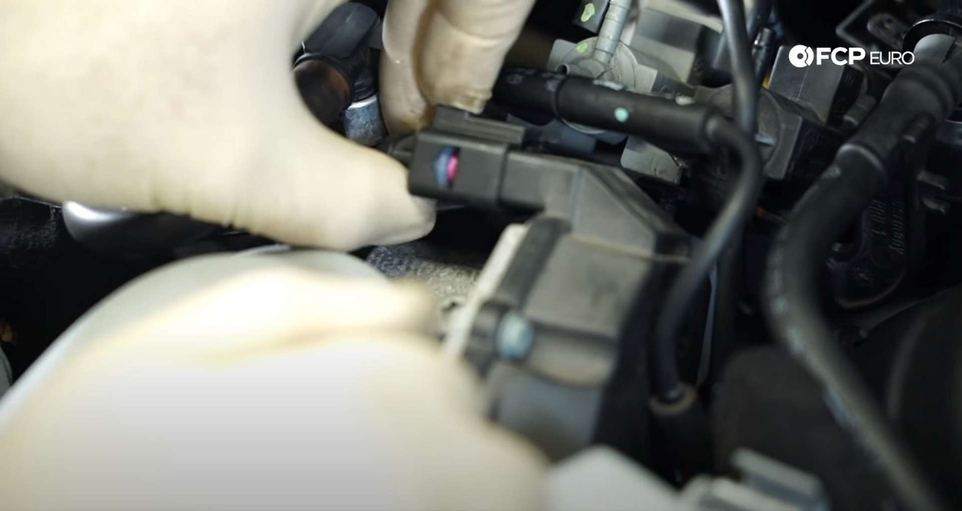 DIY Audi 3.0t Walnut Blasting Intake Valves unplugging connections