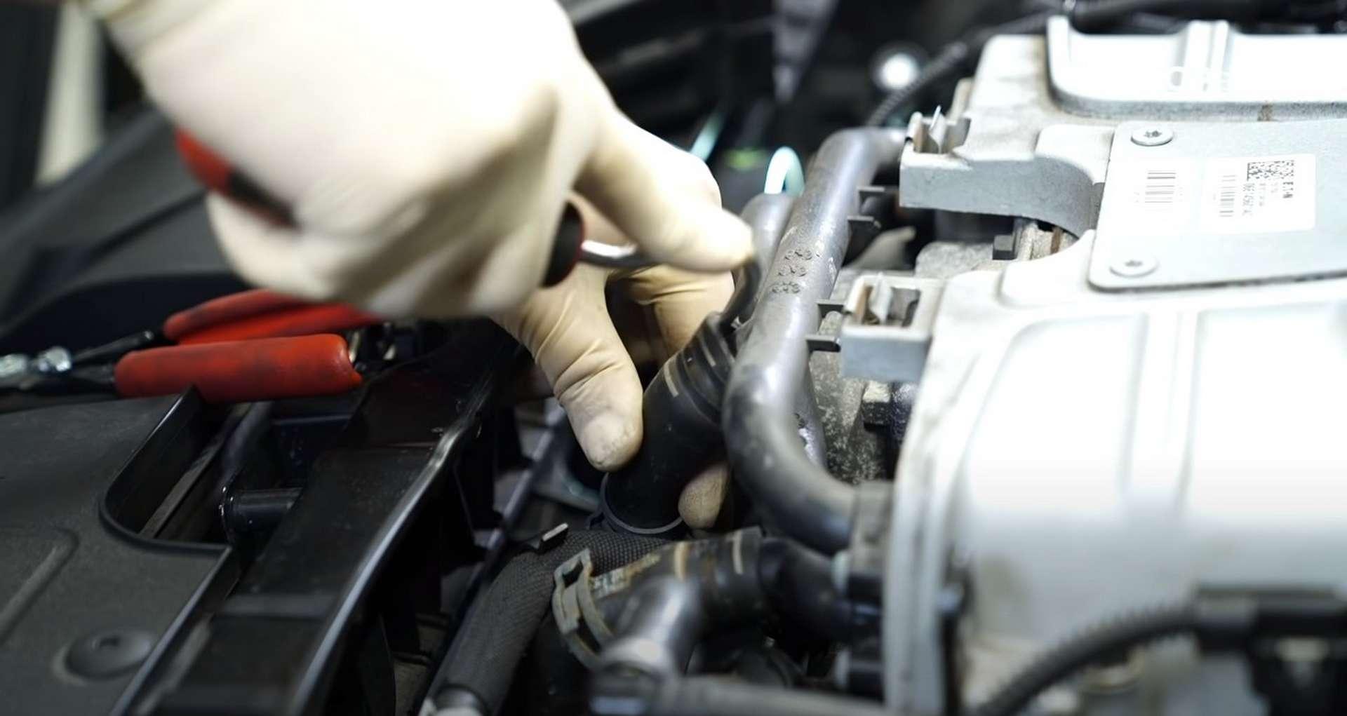 DIY Audi 3.0t Walnut Blasting Intake Valves removing the supercharger coolant hoses
