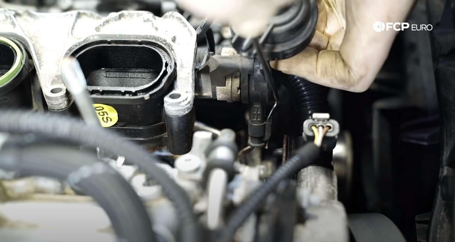 DIY Audi 3.0t Walnut Blasting Intake Valves disconnecting the manifold sensor