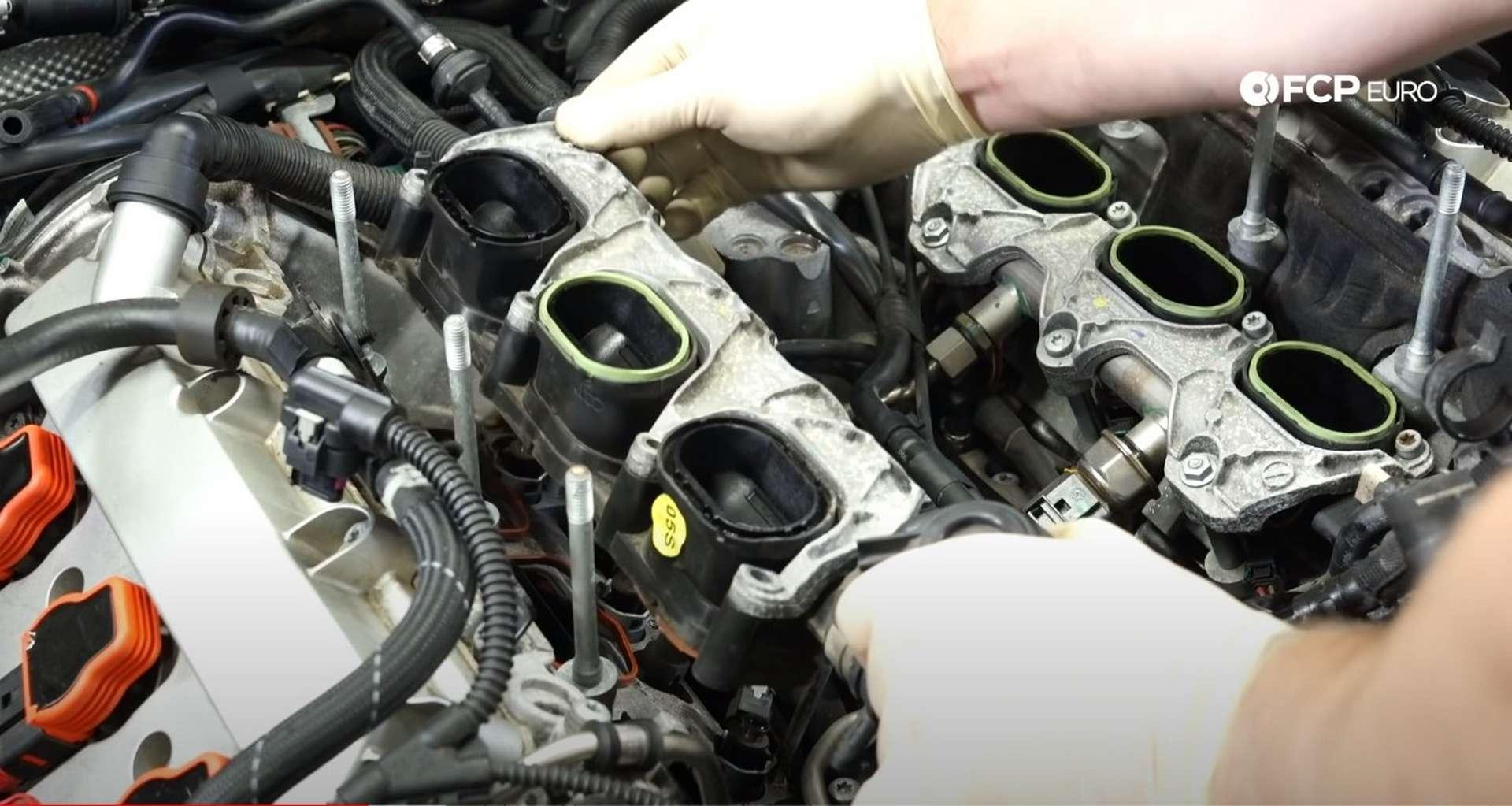 DIY Audi 3.0t Walnut Blasting Intake Valves removing the manifold