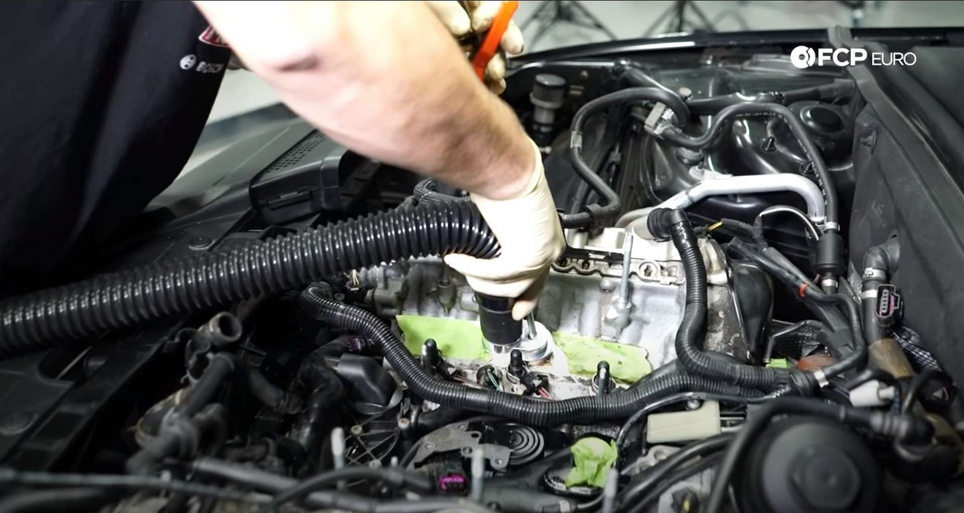 DIY Audi 3.0t Walnut Blasting Intake Valves cleaning the intake port