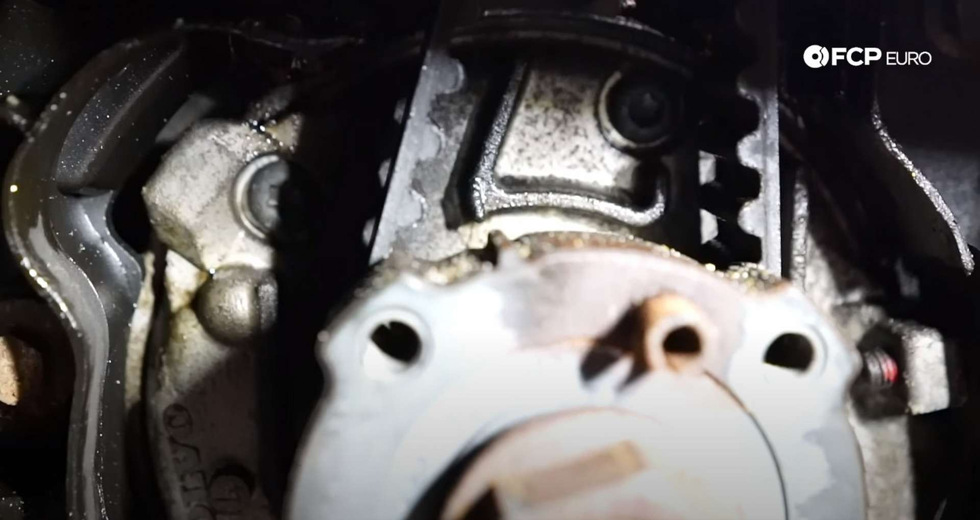 DIY Volvo P1 Water Pump Replacement aligning the timing marks
