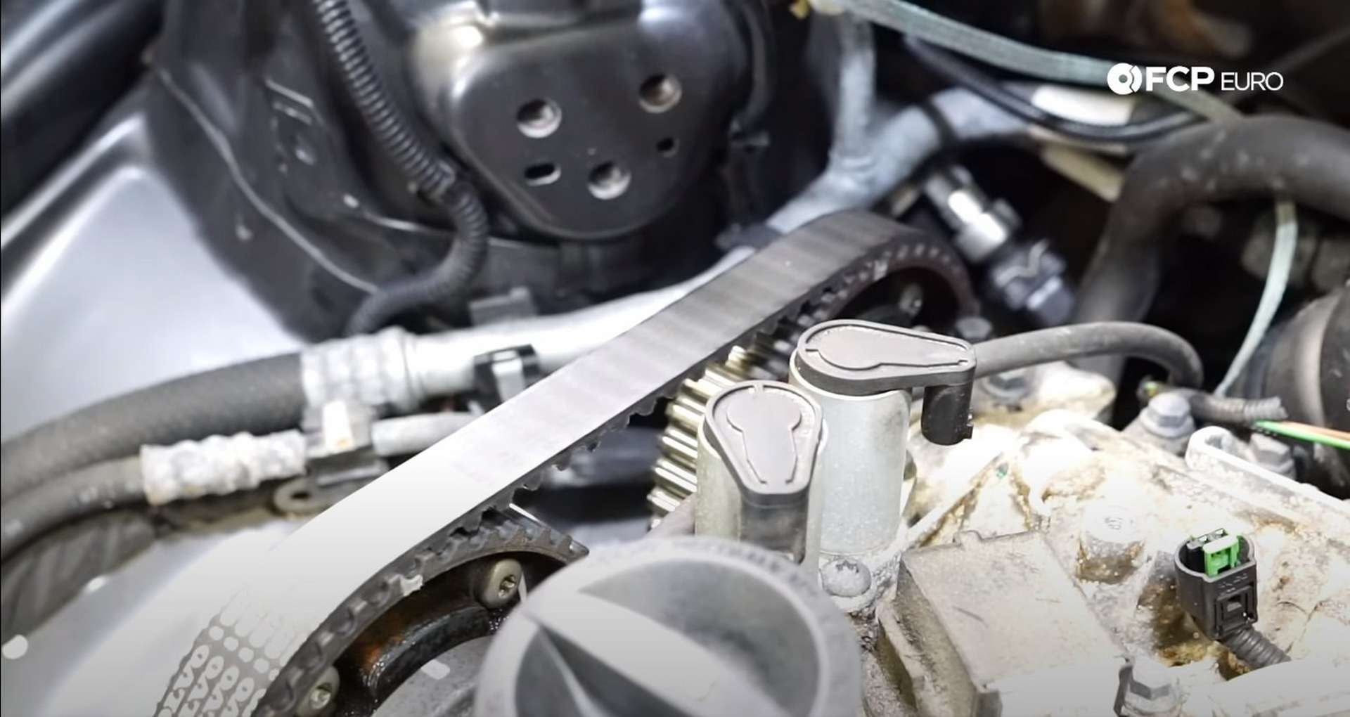 DIY Volvo P1 Water Pump Replacement making the timing marks